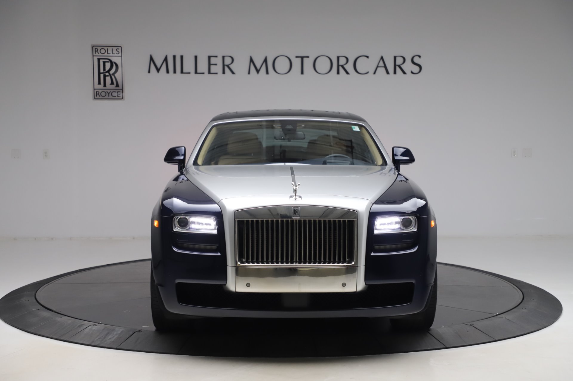 Used 2014 Rolls-Royce Ghost V-Spec For Sale In Greenwich, CT 858_p2