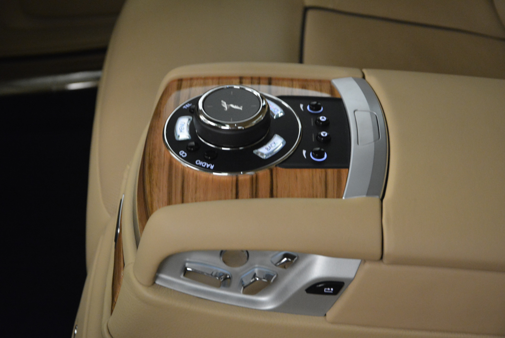 Used 2014 Rolls-Royce Ghost V-Spec For Sale In Greenwich, CT 858_p32