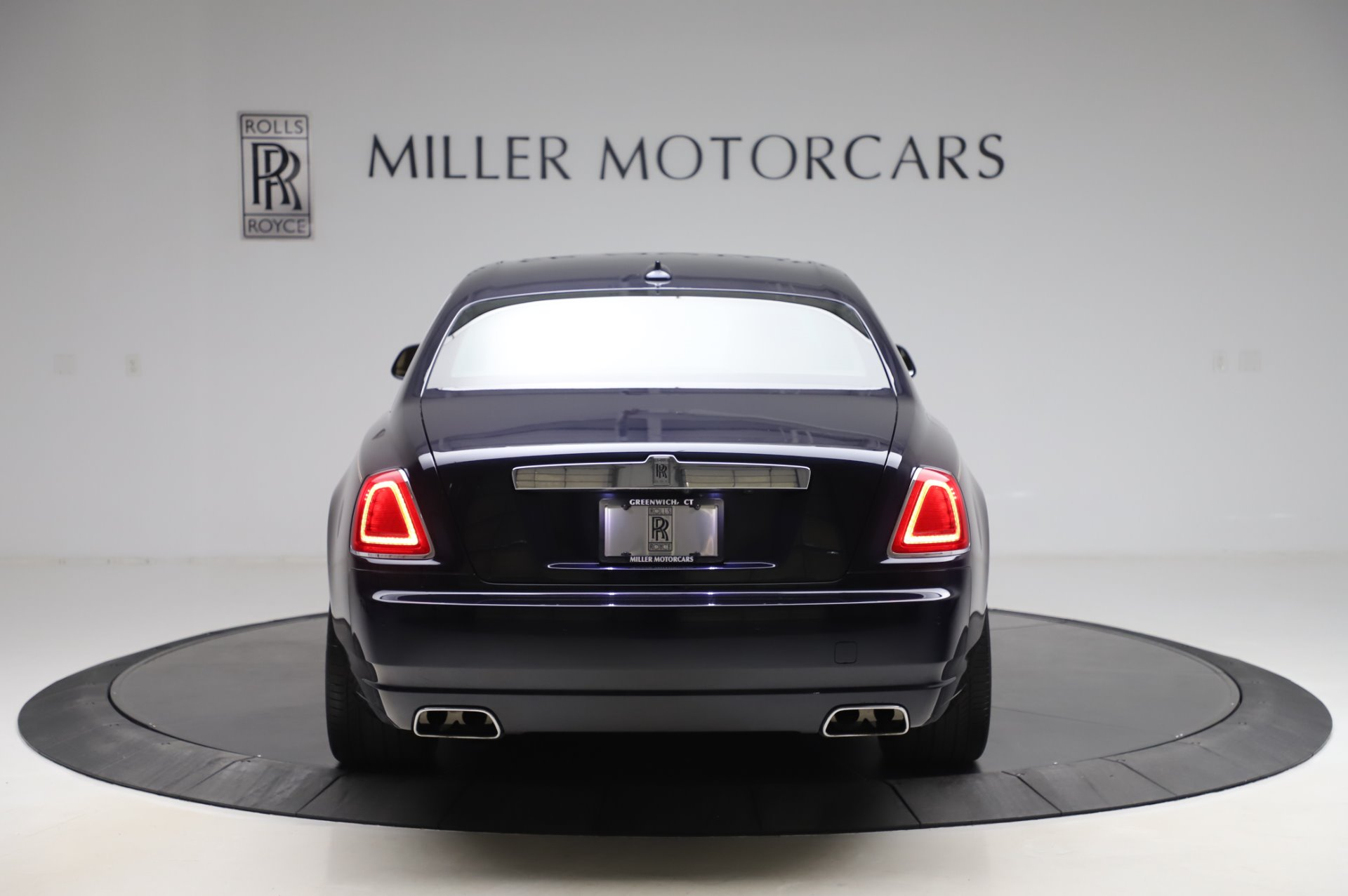 Used 2014 Rolls-Royce Ghost V-Spec For Sale In Greenwich, CT 858_p5