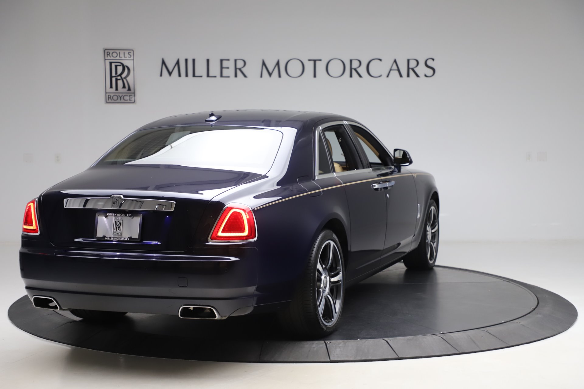 Used 2014 Rolls-Royce Ghost V-Spec For Sale In Greenwich, CT 858_p6