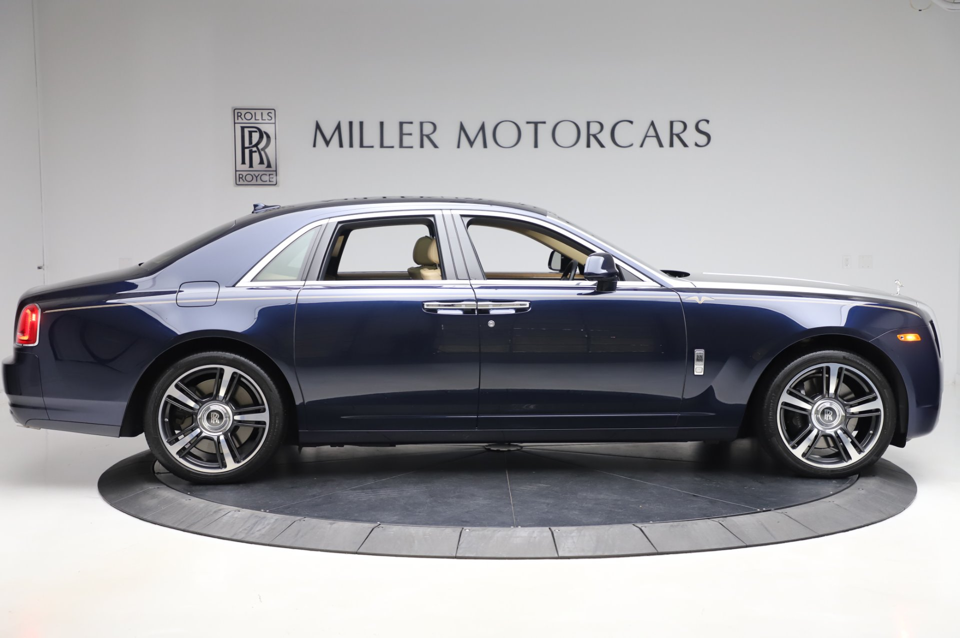 Used 2014 Rolls-Royce Ghost V-Spec For Sale In Greenwich, CT 858_p7