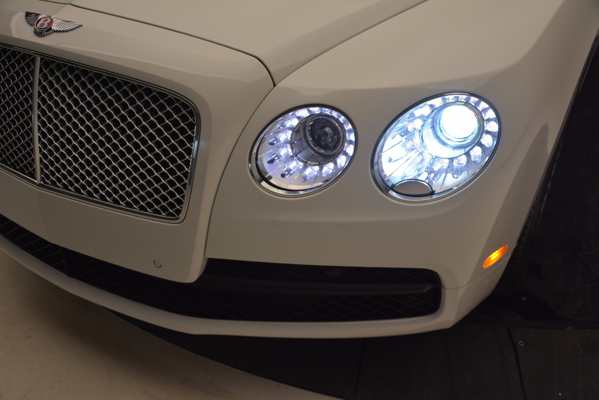 Used 2016 Bentley Flying Spur V8 For Sale In Greenwich, CT 874_p16