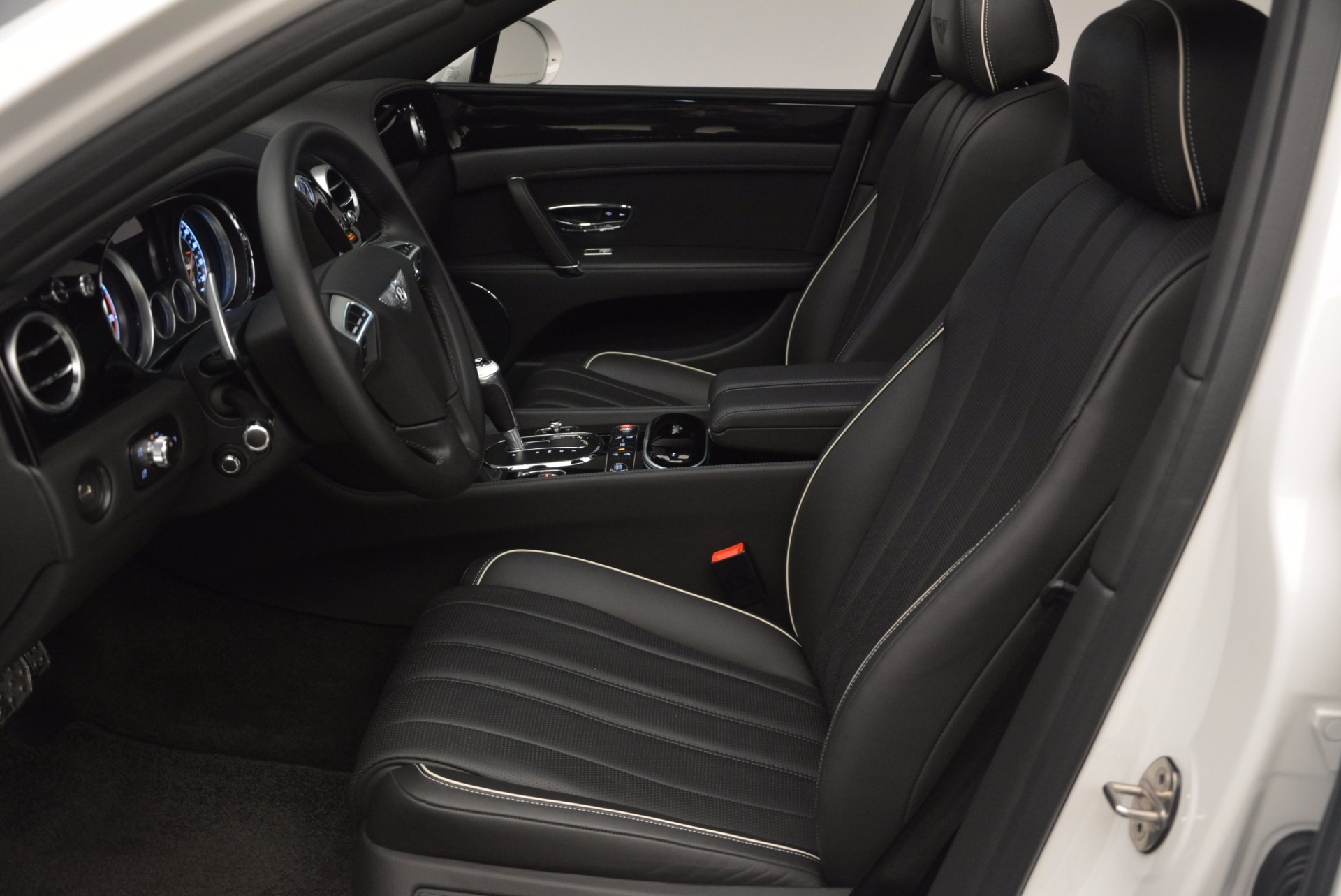 Used 2016 Bentley Flying Spur V8 For Sale In Greenwich, CT 874_p23