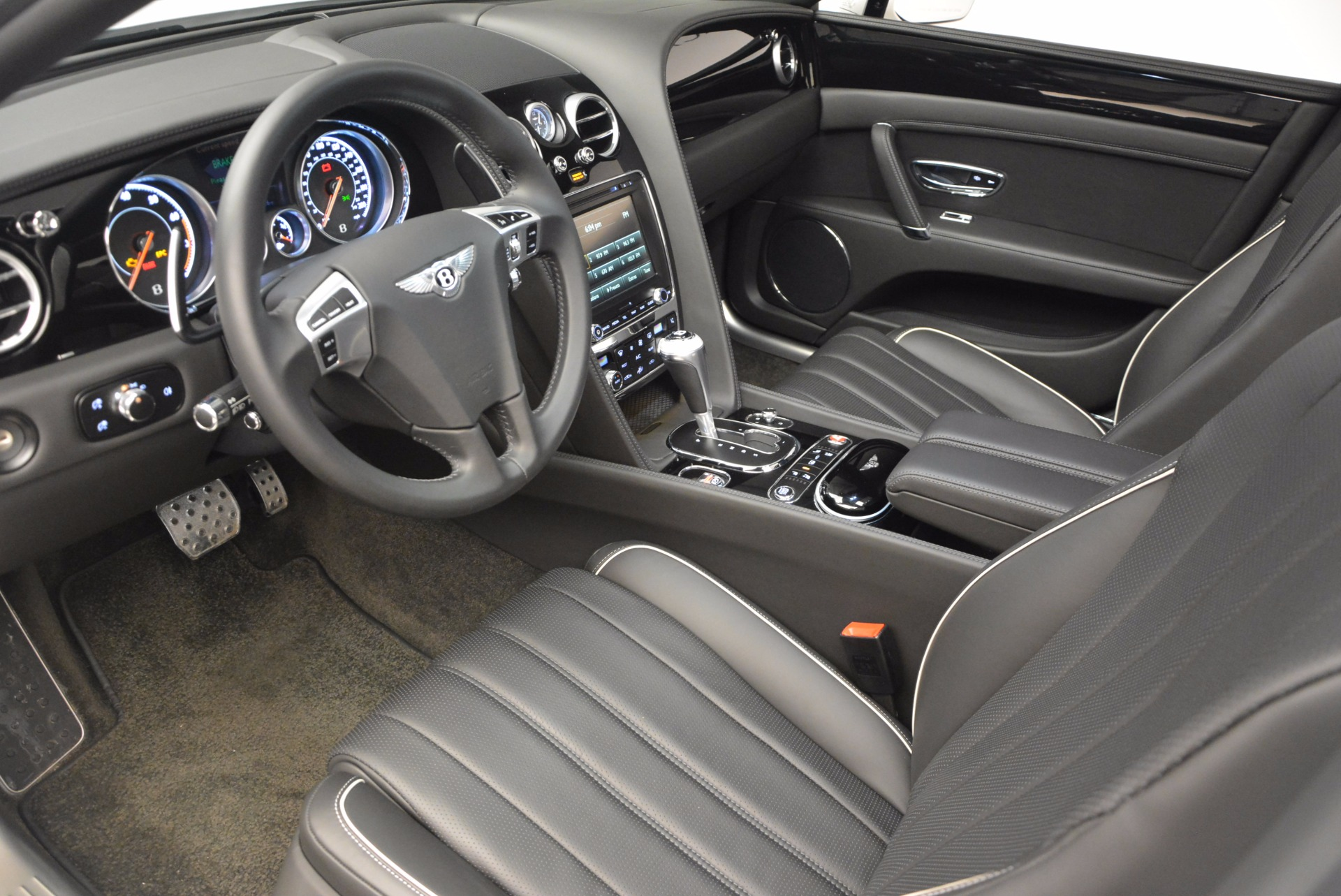 Used 2016 Bentley Flying Spur V8 For Sale In Greenwich, CT 874_p24