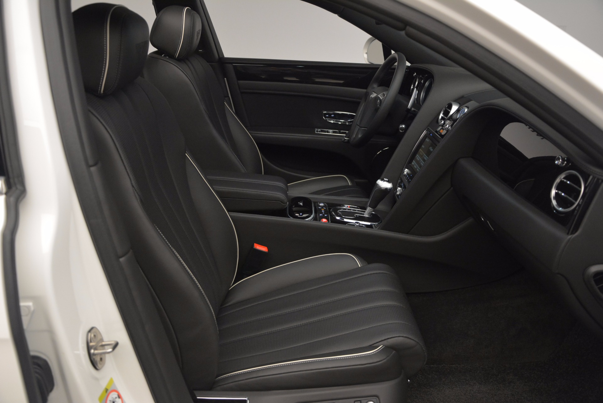 Used 2016 Bentley Flying Spur V8 For Sale In Greenwich, CT 874_p35