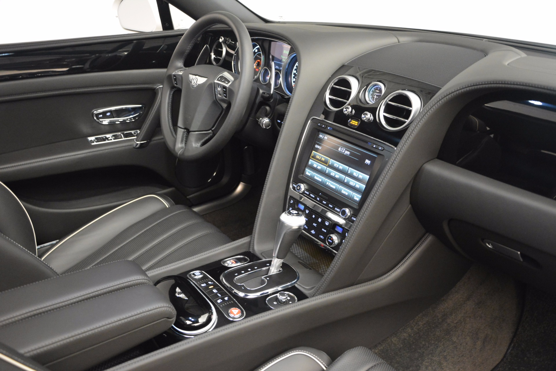 Used 2016 Bentley Flying Spur V8 For Sale In Greenwich, CT 874_p37