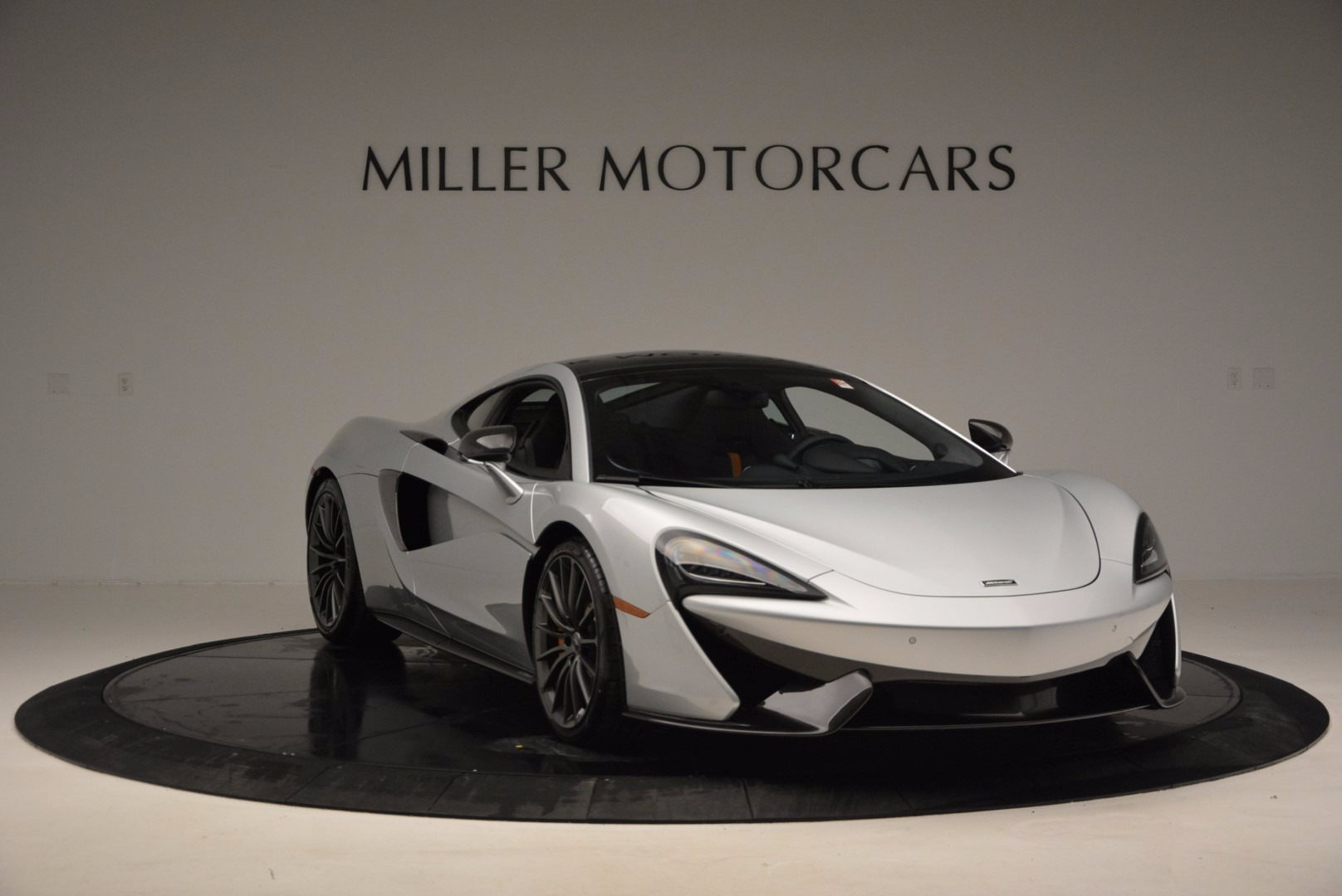 New 2017 McLaren 570GT  For Sale In Greenwich, CT 882_p11