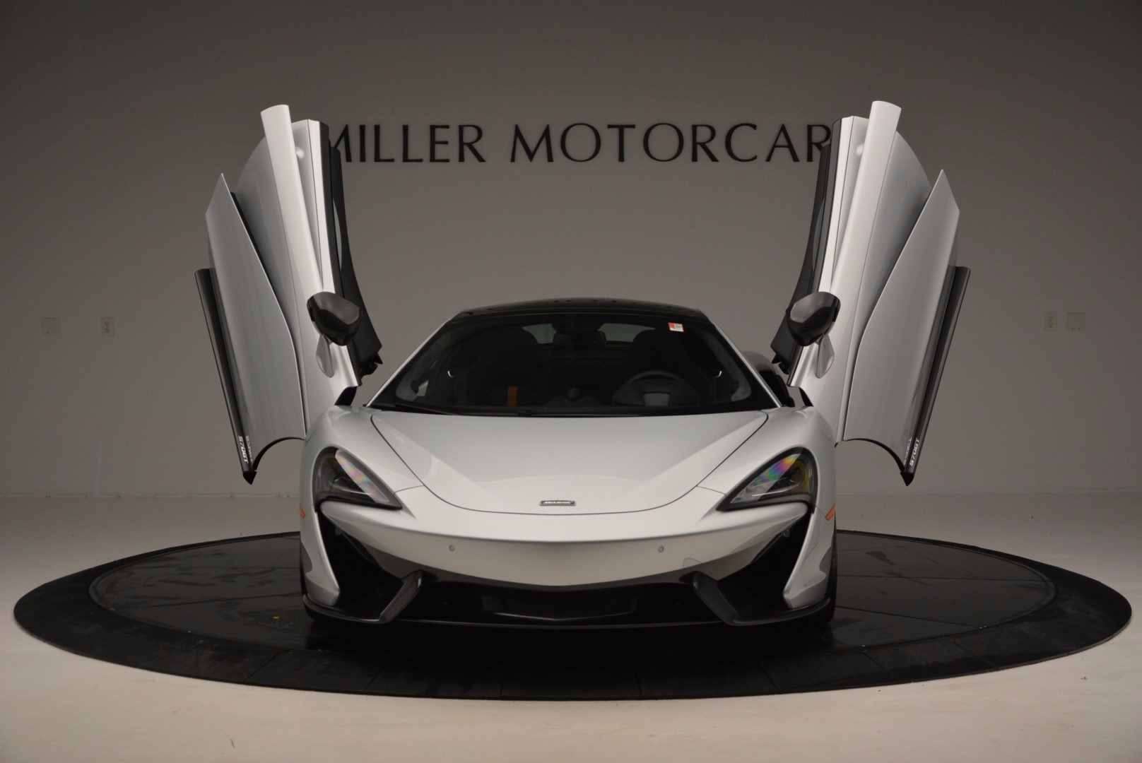 New 2017 McLaren 570GT  For Sale In Greenwich, CT 882_p14