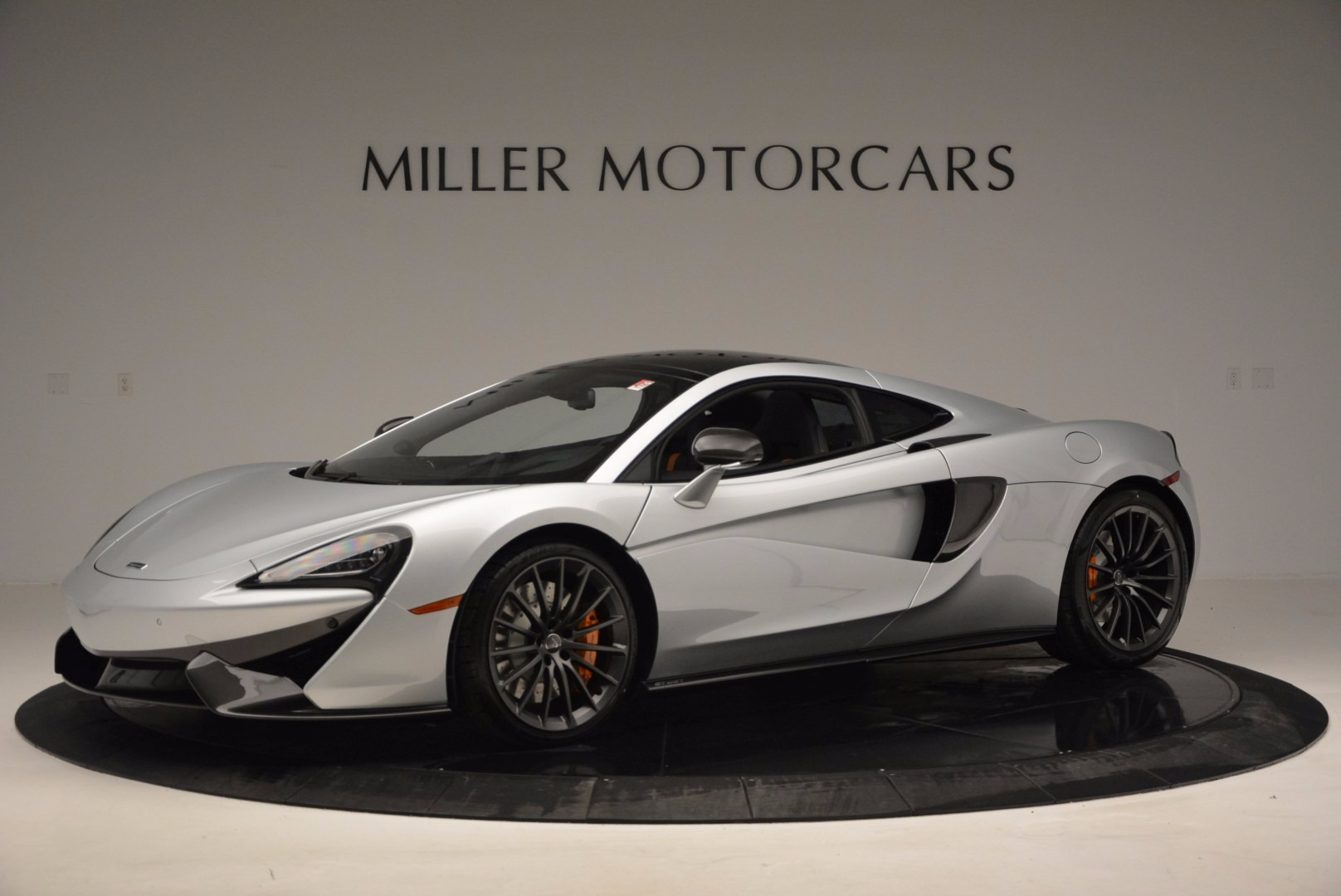 New 2017 McLaren 570GT  For Sale In Greenwich, CT 882_p2