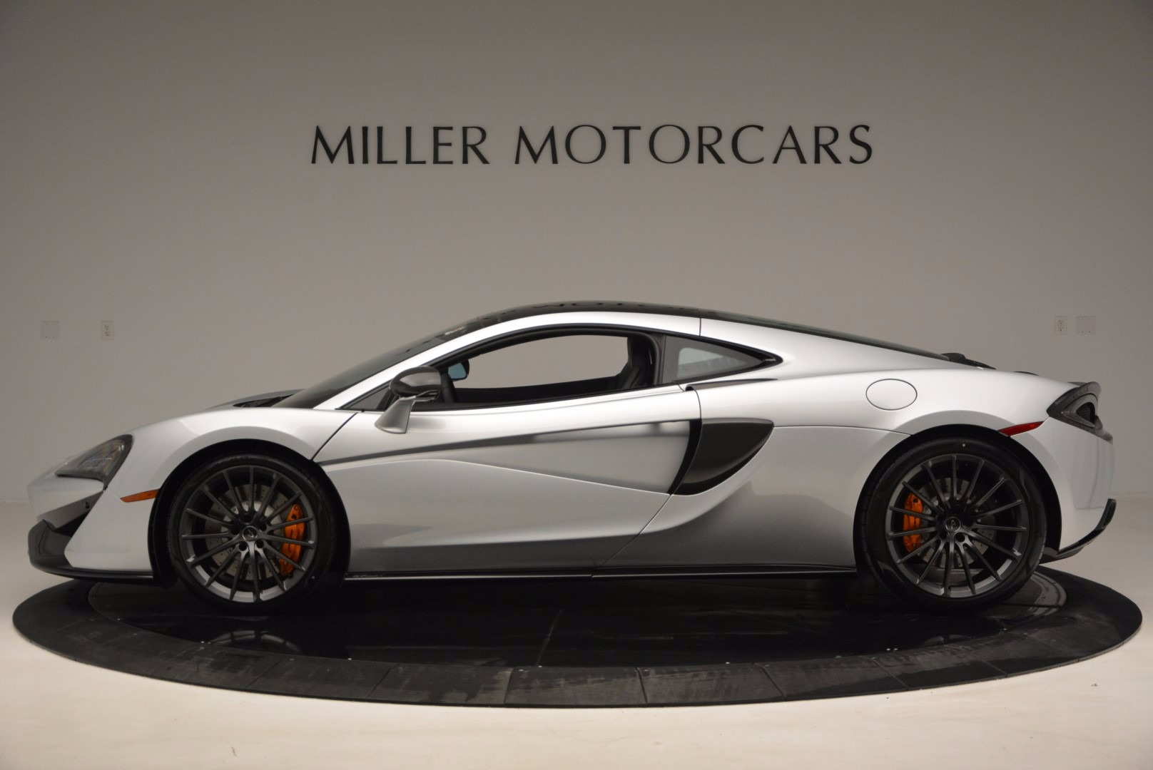 New 2017 McLaren 570GT  For Sale In Greenwich, CT 882_p3