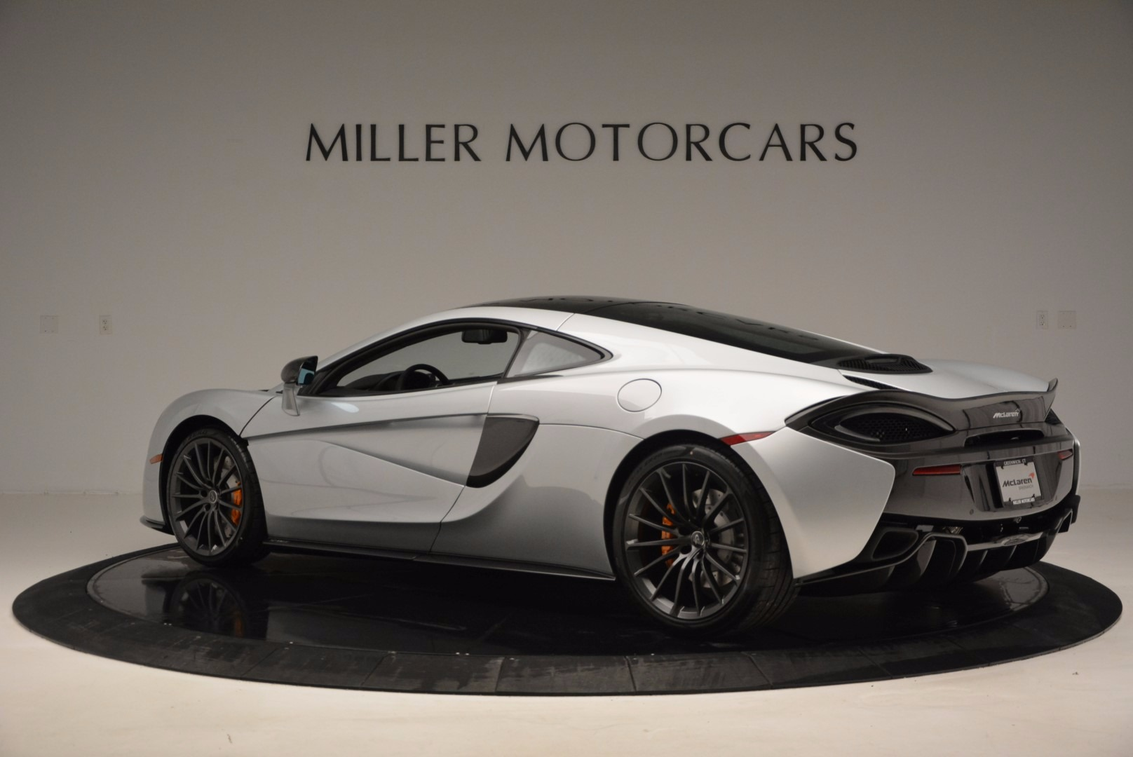 New 2017 McLaren 570GT  For Sale In Greenwich, CT 882_p4