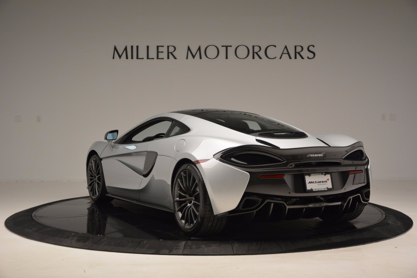 New 2017 McLaren 570GT  For Sale In Greenwich, CT 882_p5