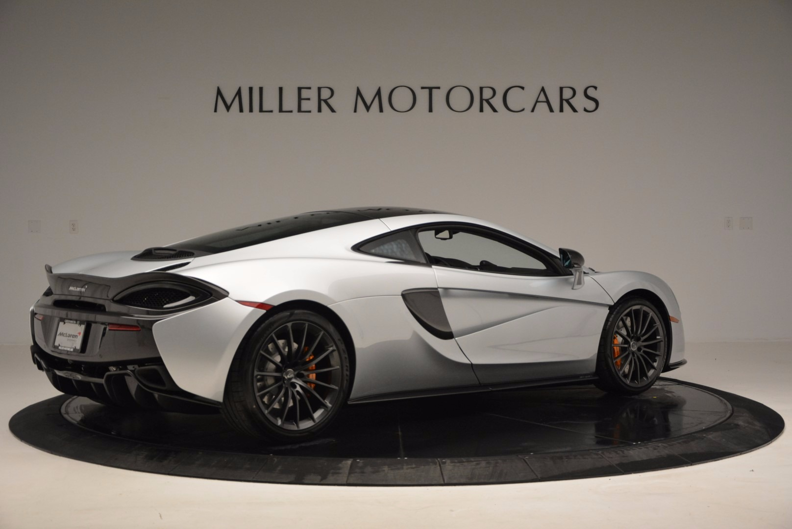 New 2017 McLaren 570GT  For Sale In Greenwich, CT 882_p8