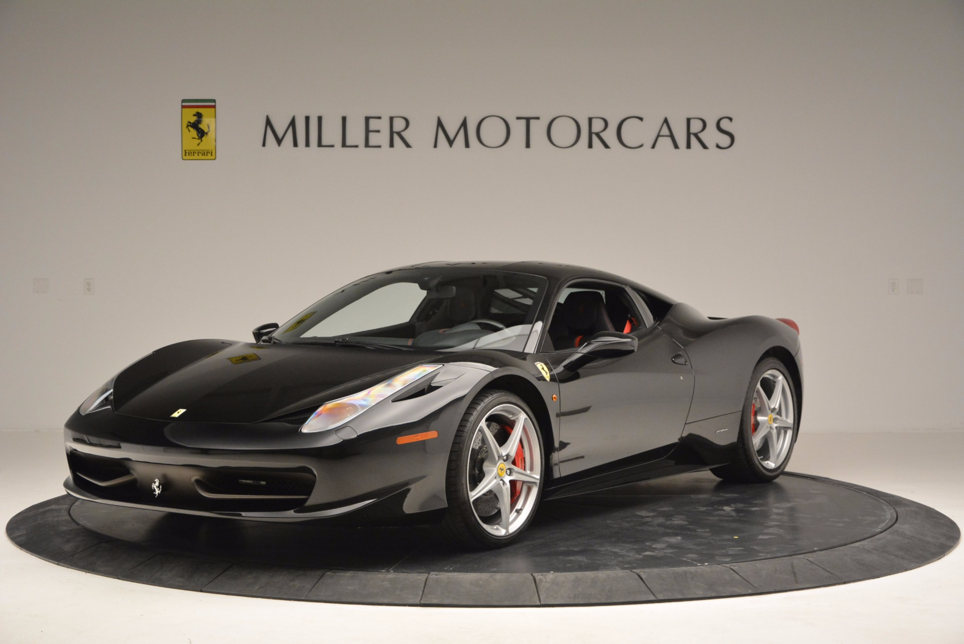 Used 2013 Ferrari 458 Italia  For Sale In Greenwich, CT 889_main