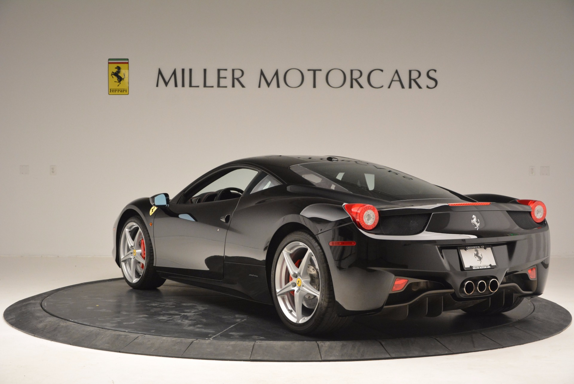 Used 2013 Ferrari 458 Italia  For Sale In Greenwich, CT 889_p5