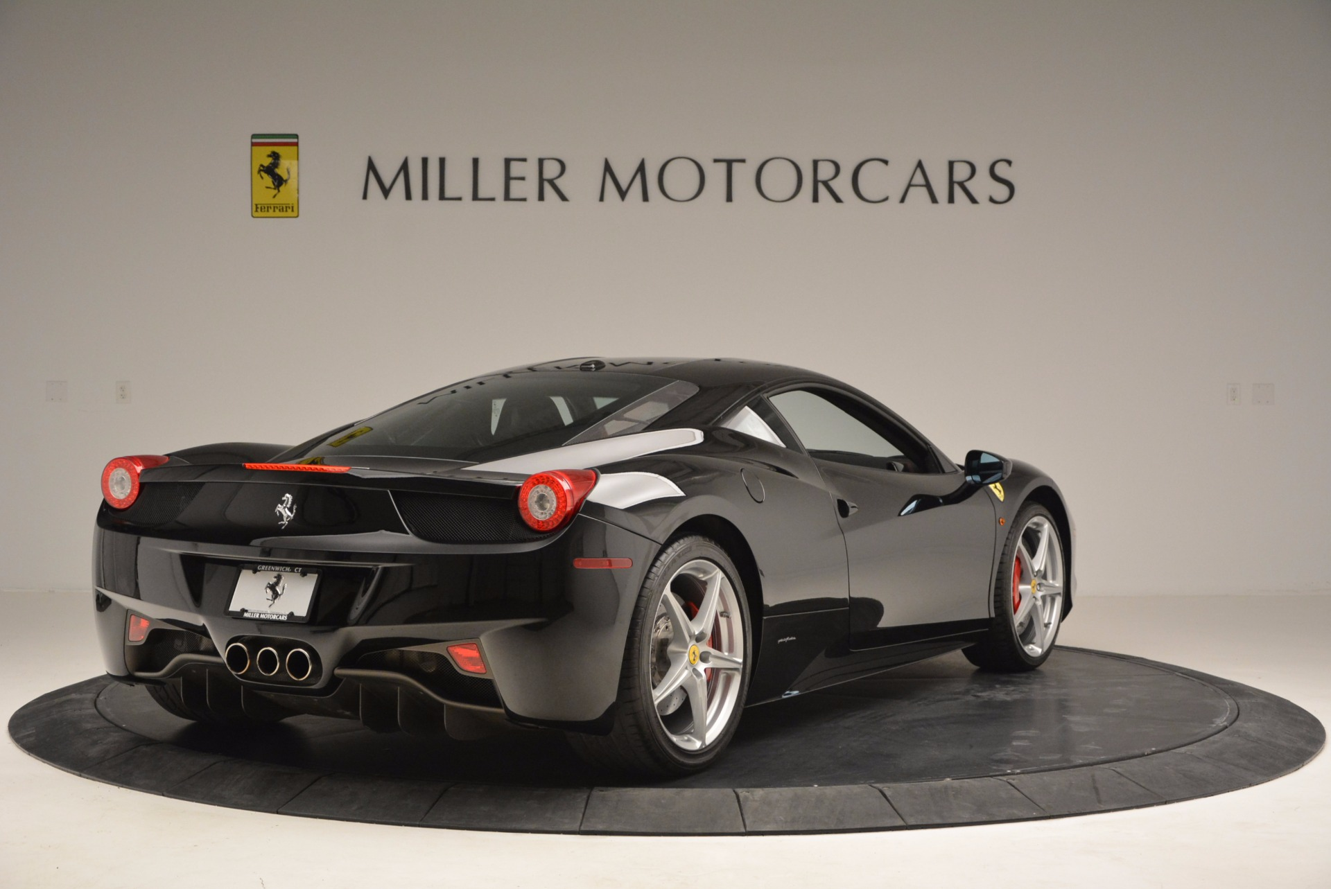 Used 2013 Ferrari 458 Italia  For Sale In Greenwich, CT 889_p7