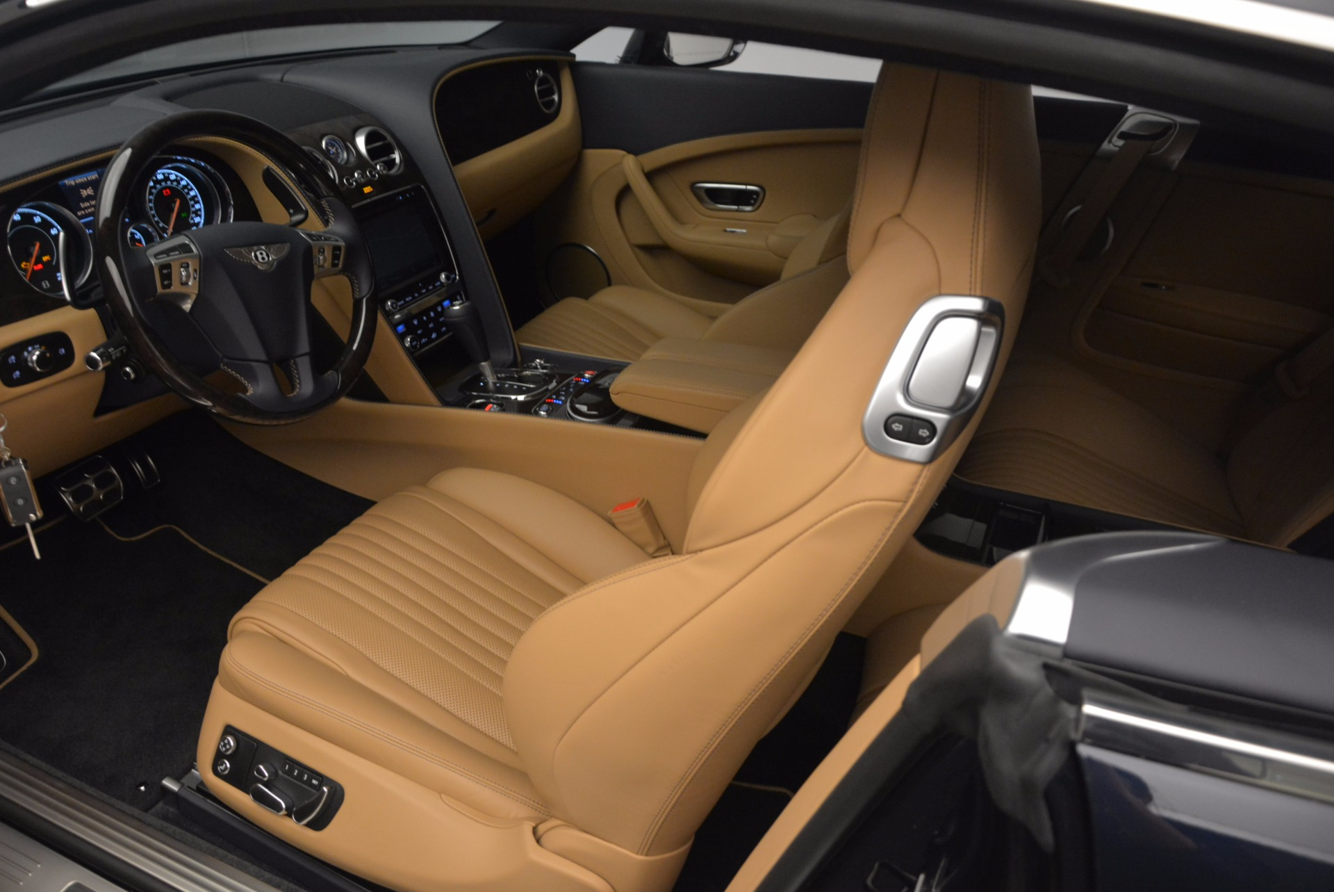New 2017 Bentley Continental GT W12 For Sale In Greenwich, CT 904_p20