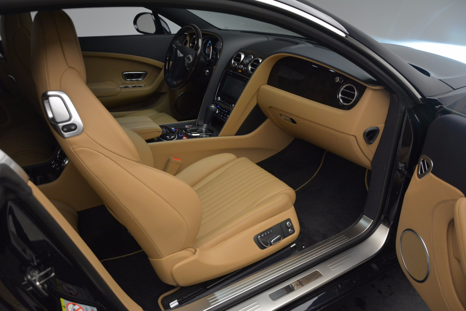 New 2017 Bentley Continental GT W12 For Sale In Greenwich, CT 904_p27