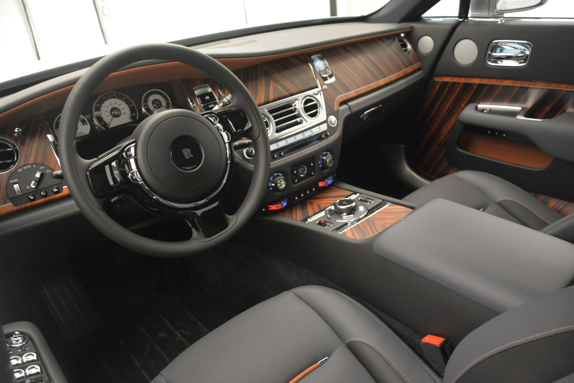 Used 2015 Rolls-Royce Wraith  For Sale In Greenwich, CT 906_p20