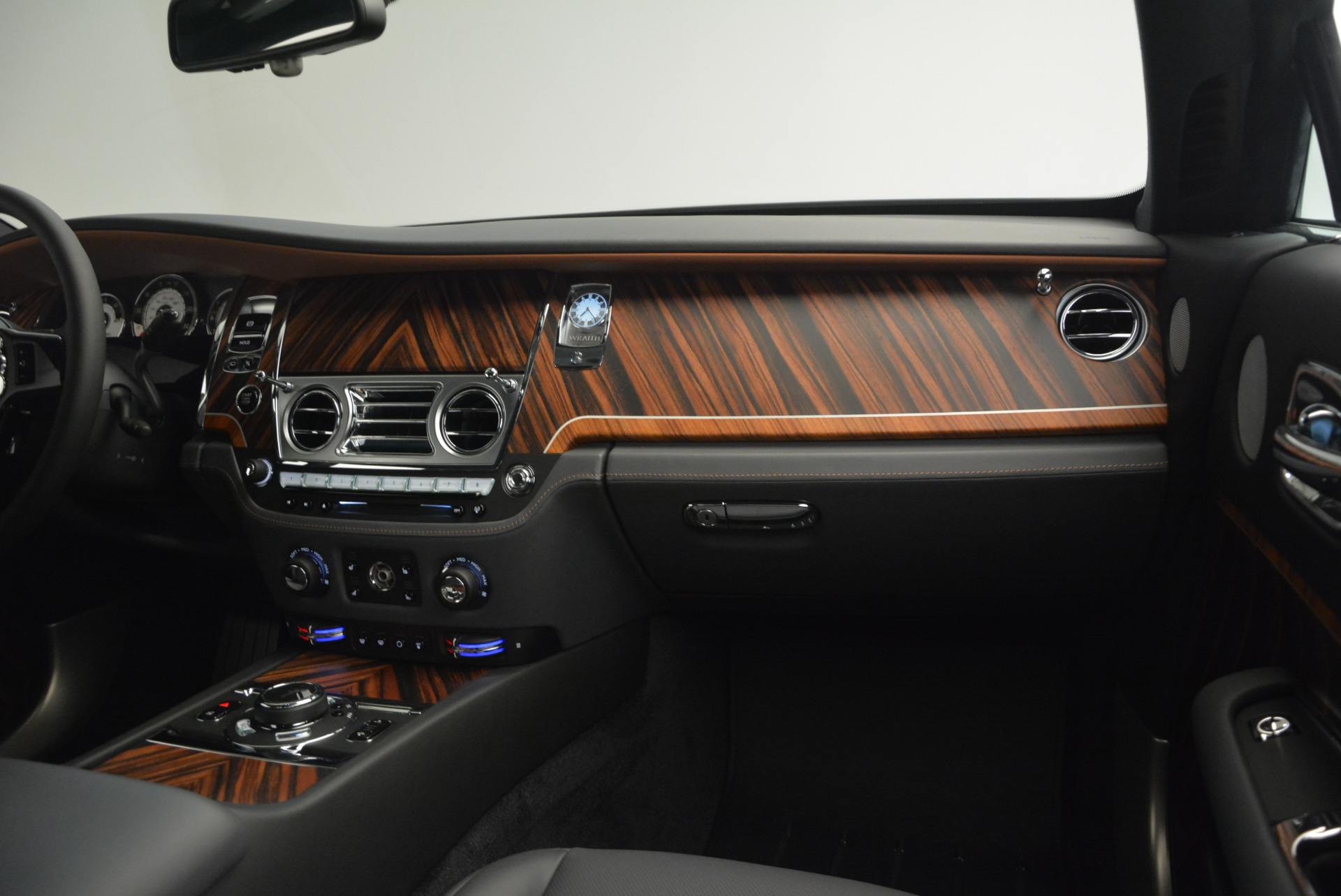 Used 2015 Rolls-Royce Wraith  For Sale In Greenwich, CT 906_p28