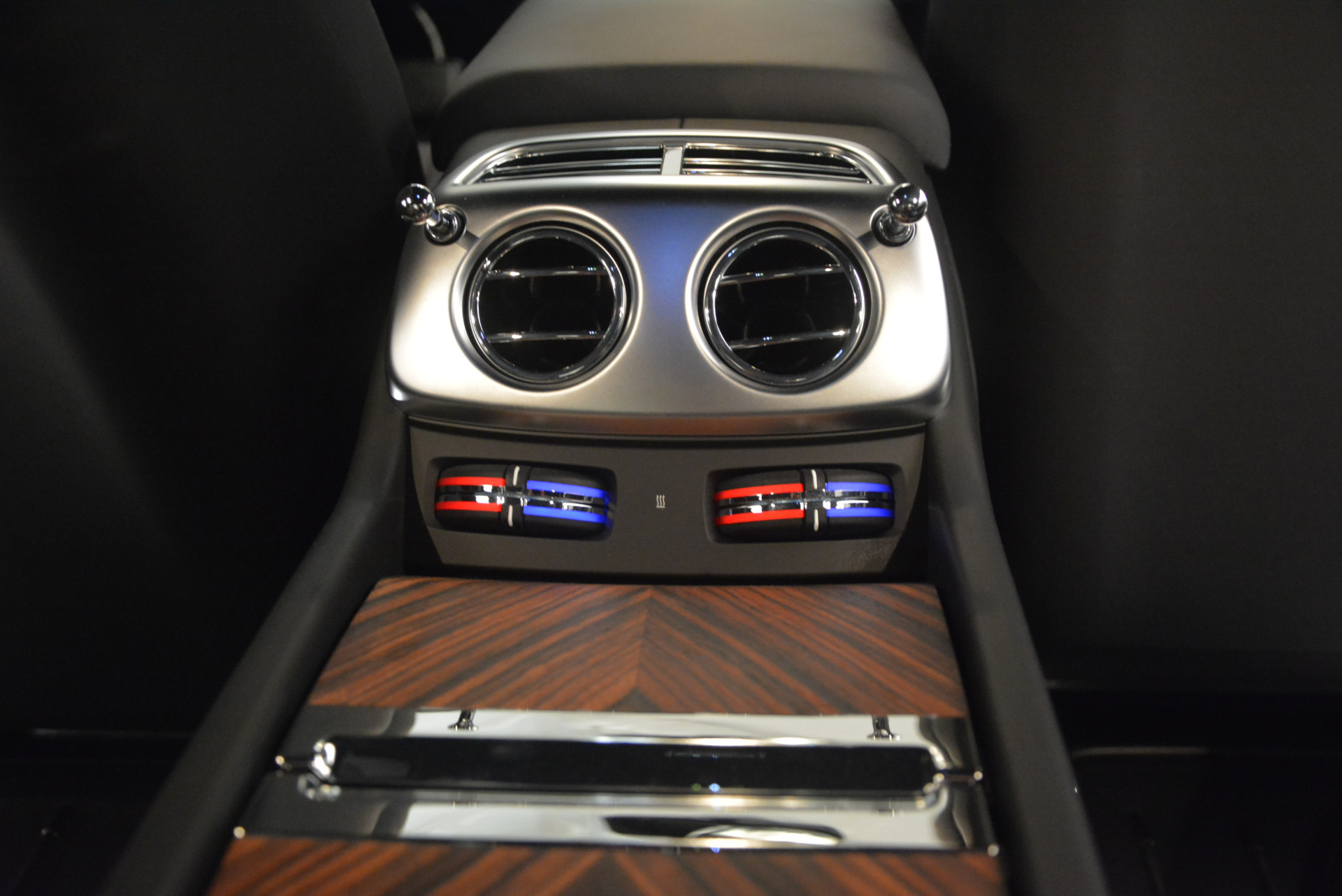 Used 2015 Rolls-Royce Wraith  For Sale In Greenwich, CT 906_p33