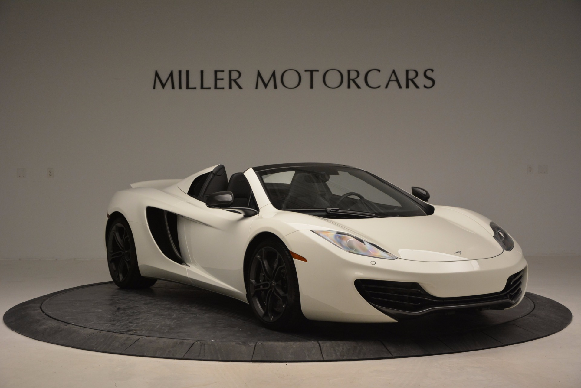 Used 2014 McLaren MP4-12C Spider For Sale In Greenwich, CT 908_p11