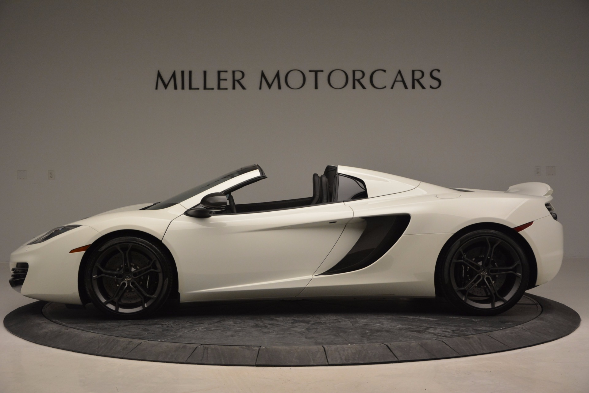 Used 2014 McLaren MP4-12C Spider For Sale In Greenwich, CT 908_p3