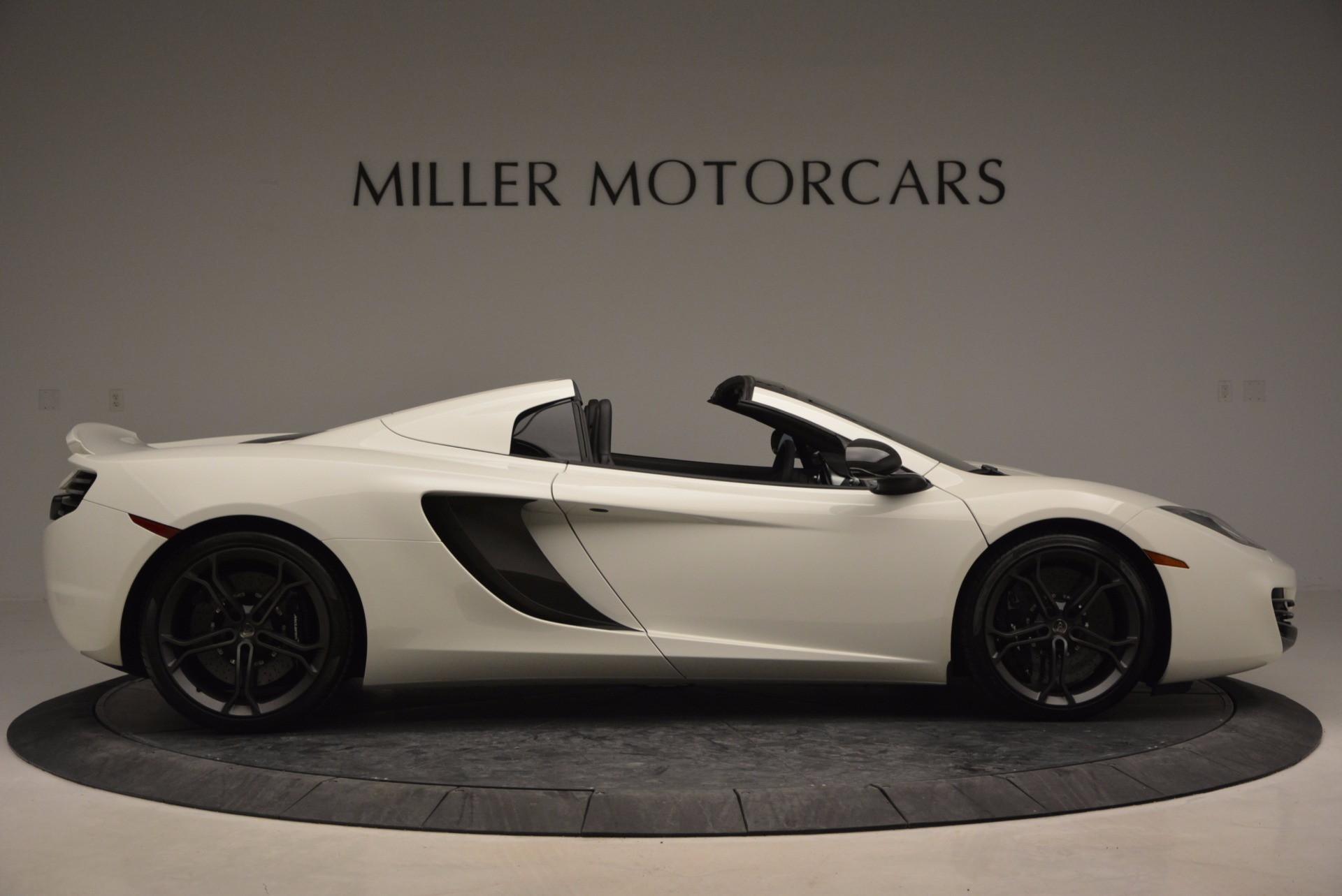 Used 2014 McLaren MP4-12C Spider For Sale In Greenwich, CT 908_p9