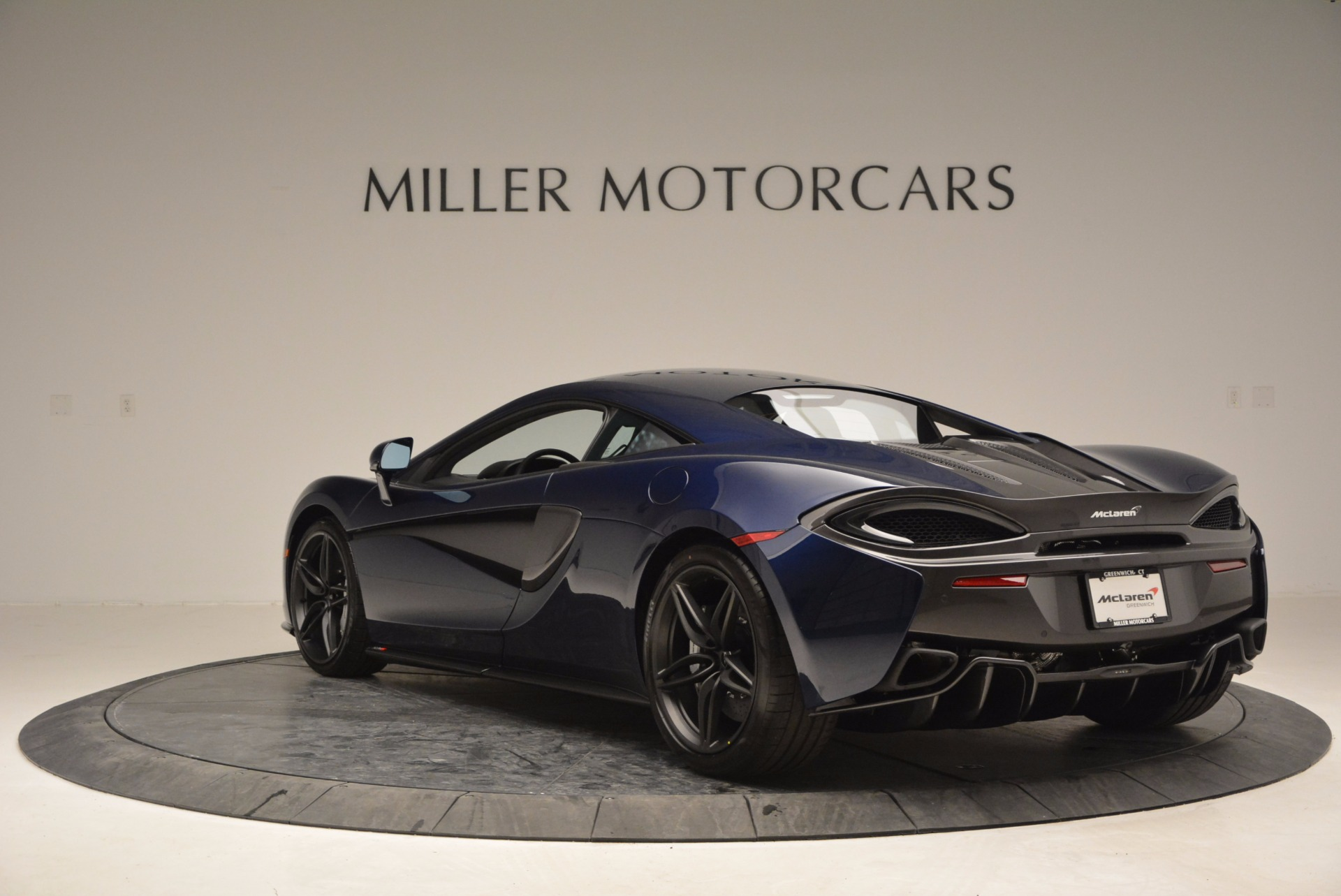 Used 2017 McLaren 570S  For Sale In Greenwich, CT 909_p5