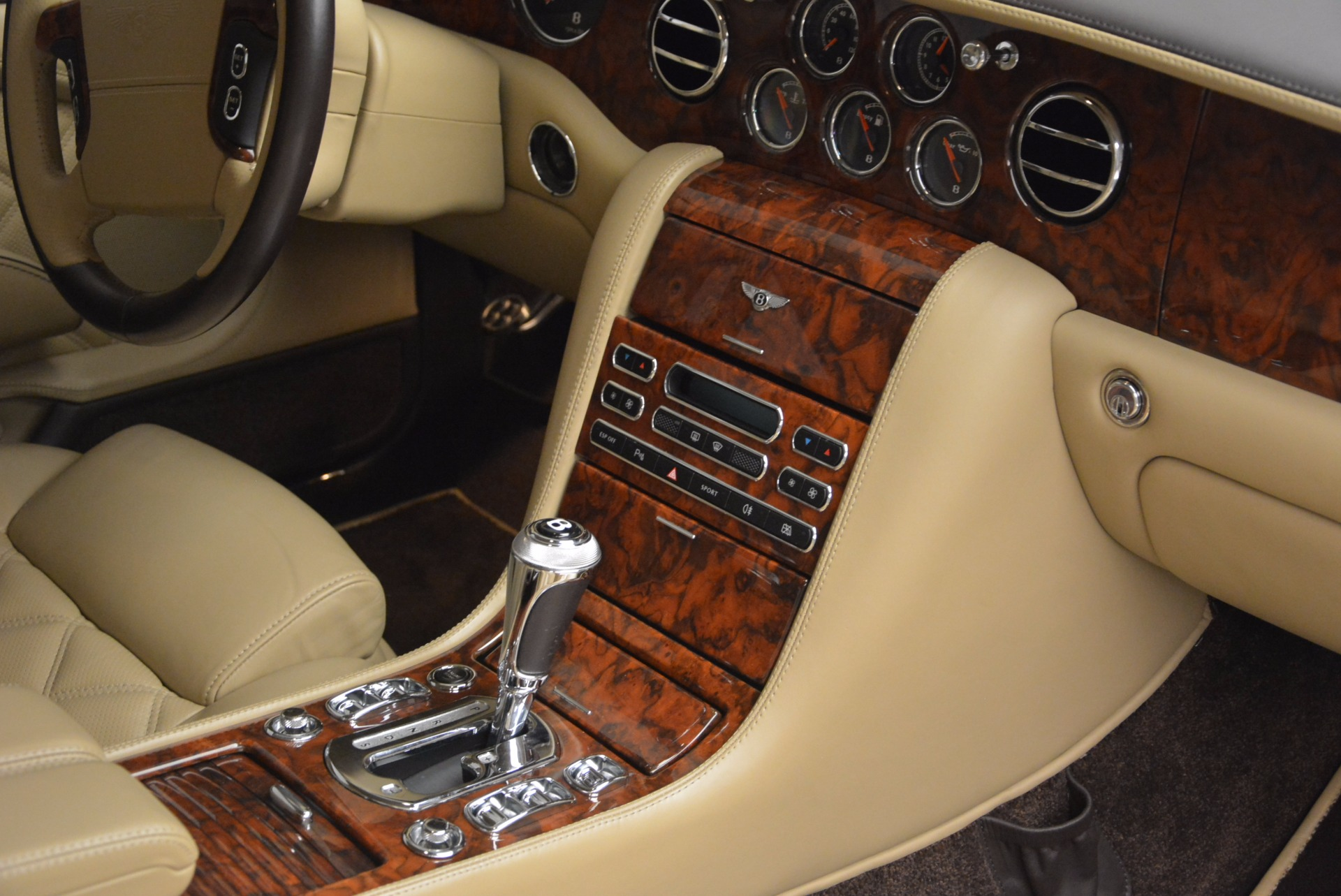 Used 2009 Bentley Brooklands  For Sale In Greenwich, CT 925_p35