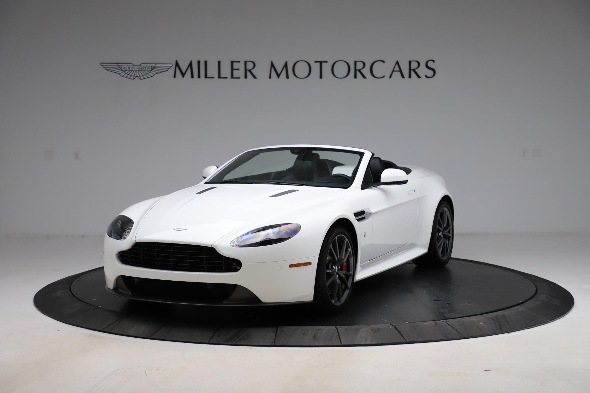 New 2015 Aston Martin Vantage GT GT Roadster For Sale In Greenwich, CT 93_p12