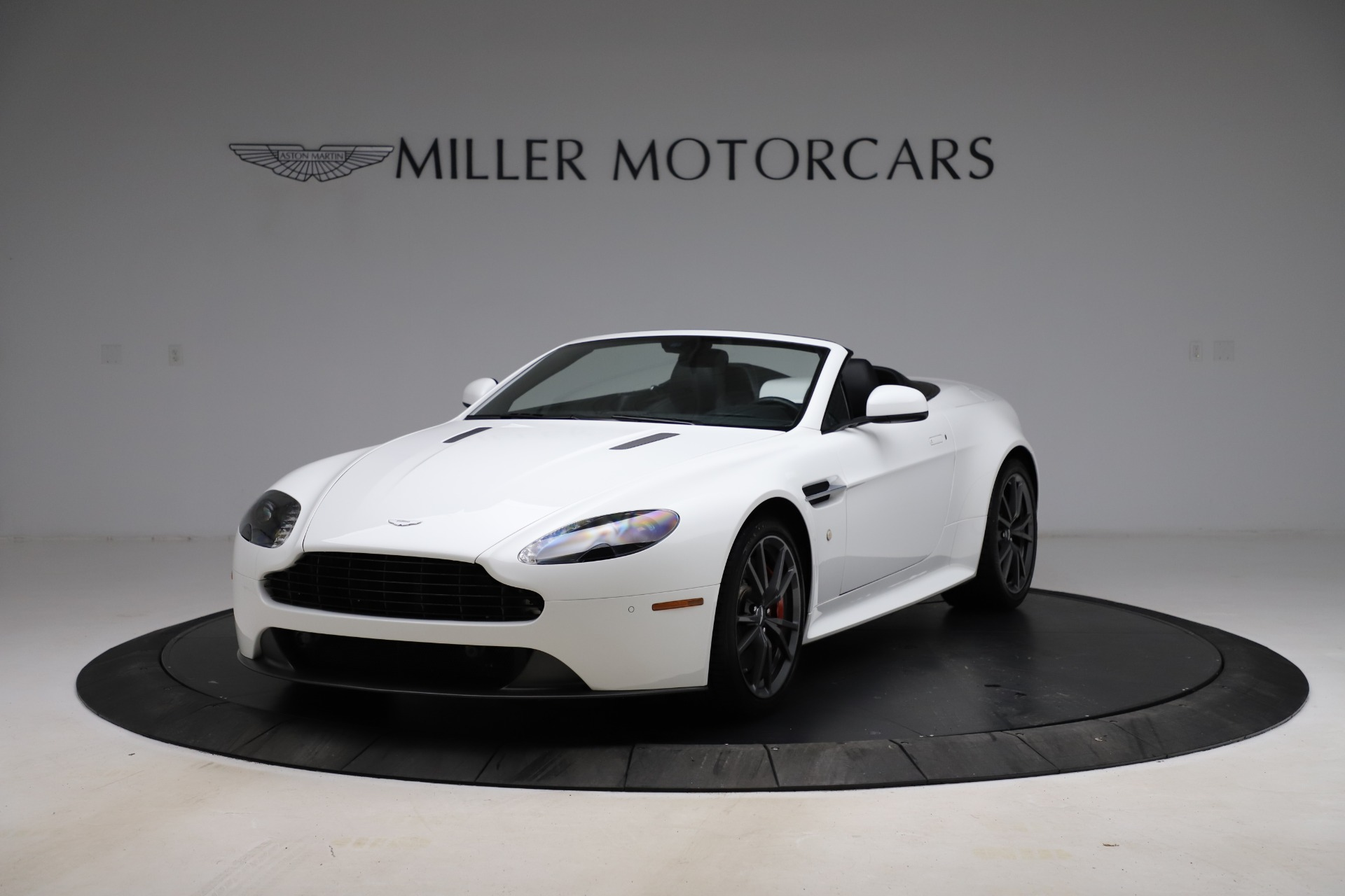 New 2015 Aston Martin Vantage GT GT Roadster For Sale In Greenwich, CT 93_p13