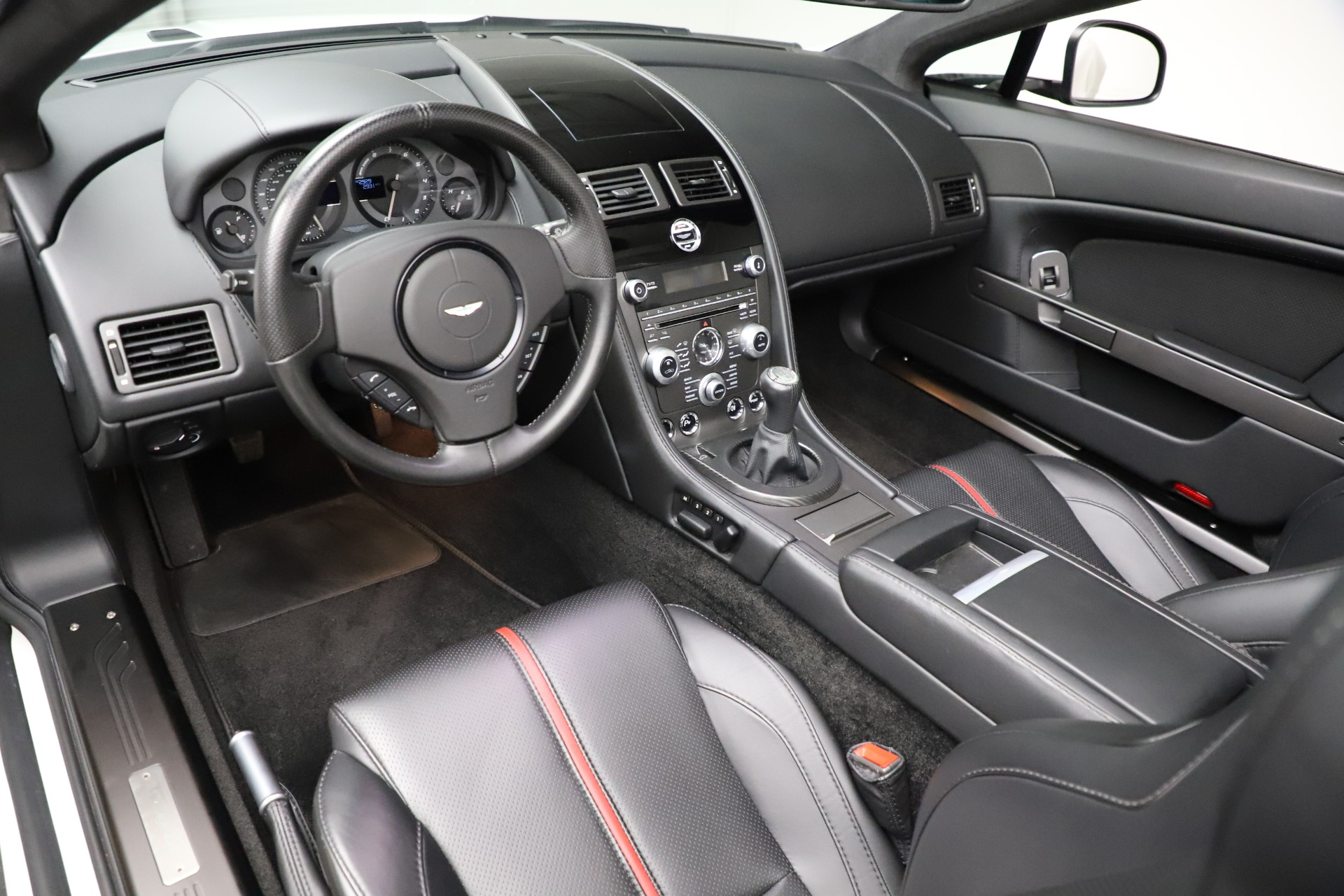 New 2015 Aston Martin Vantage GT GT Roadster For Sale In Greenwich, CT 93_p14