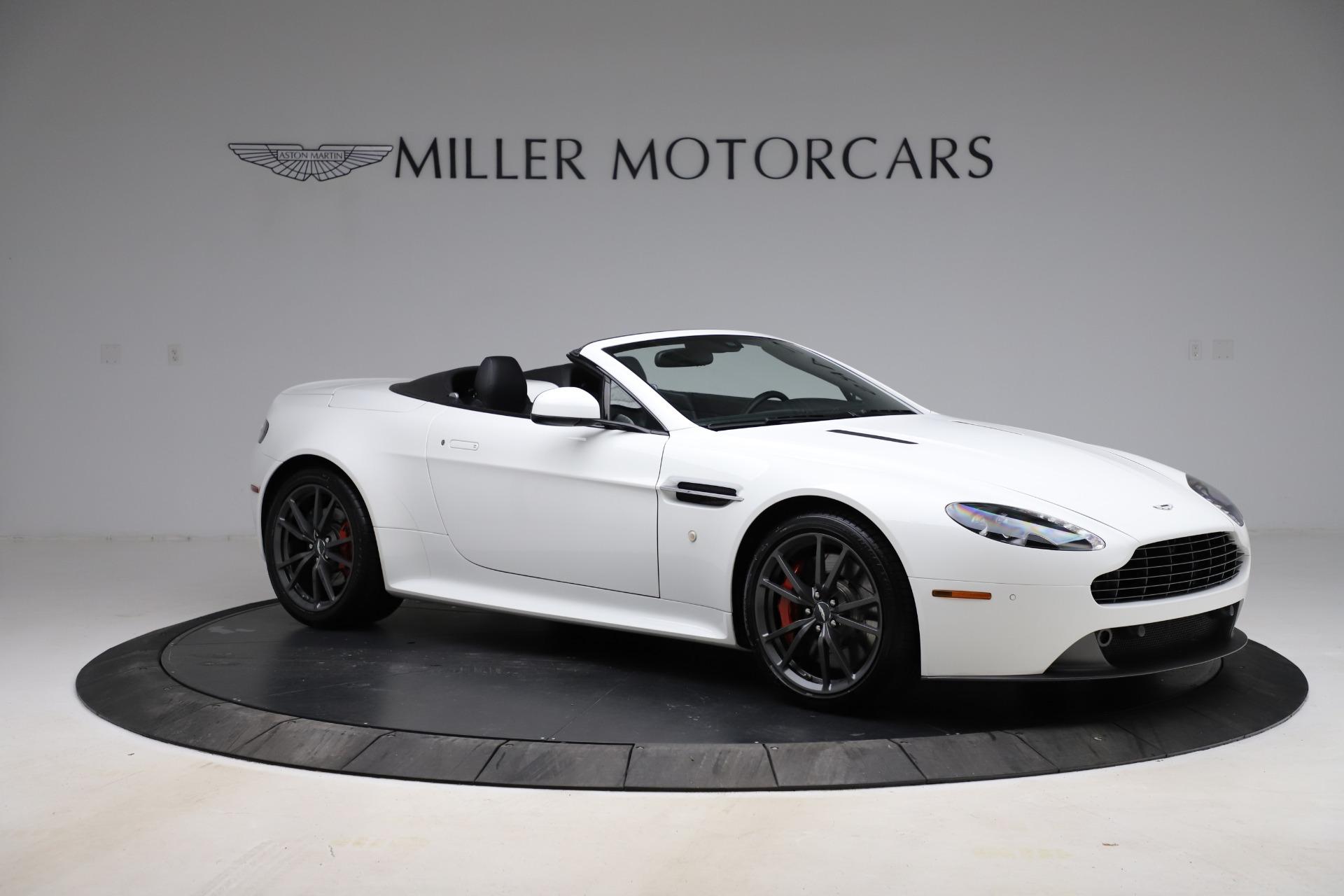 New 2015 Aston Martin Vantage GT GT Roadster For Sale In Greenwich, CT 93_p9
