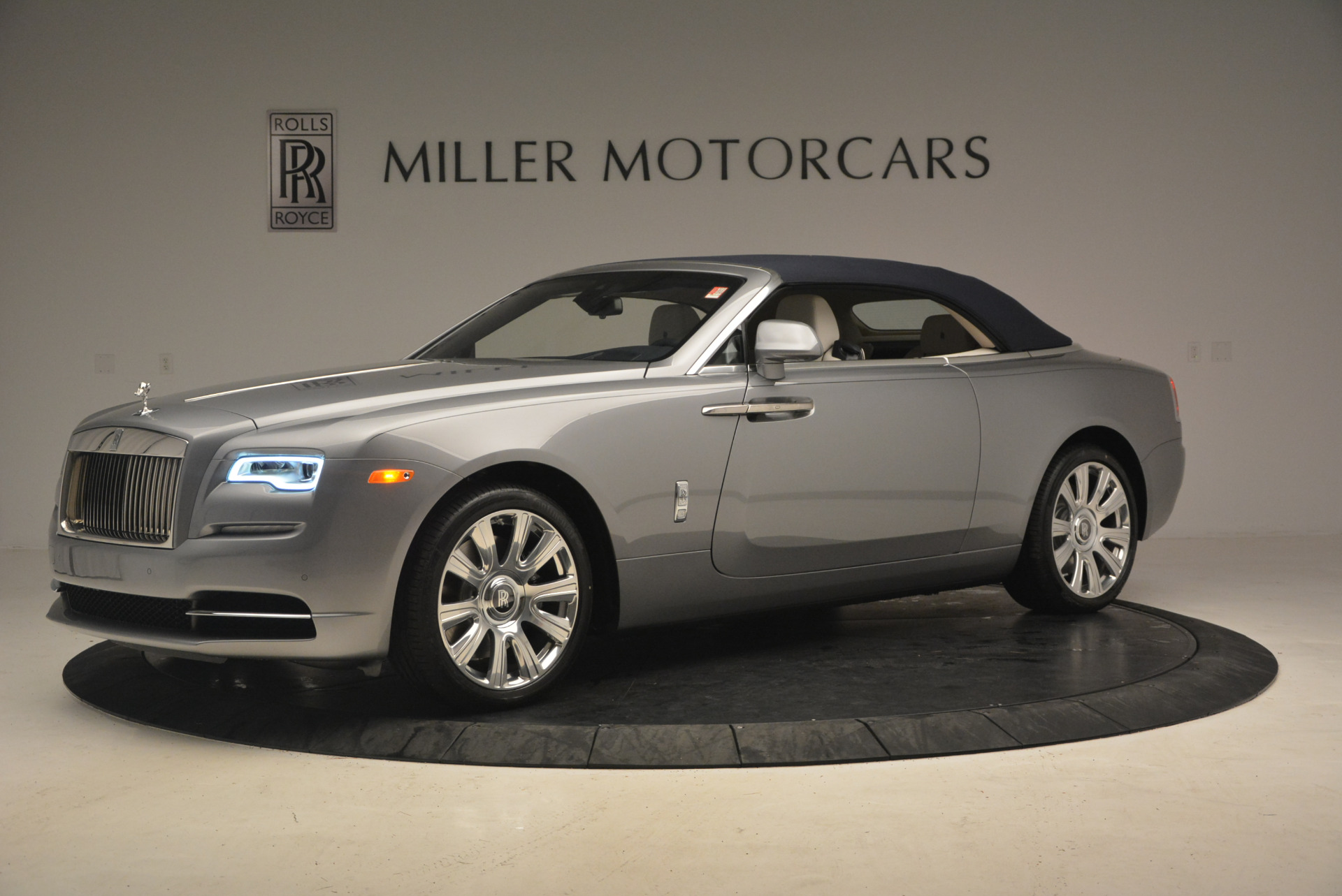 Used 2017 Rolls-Royce Dawn  For Sale In Greenwich, CT 940_p14