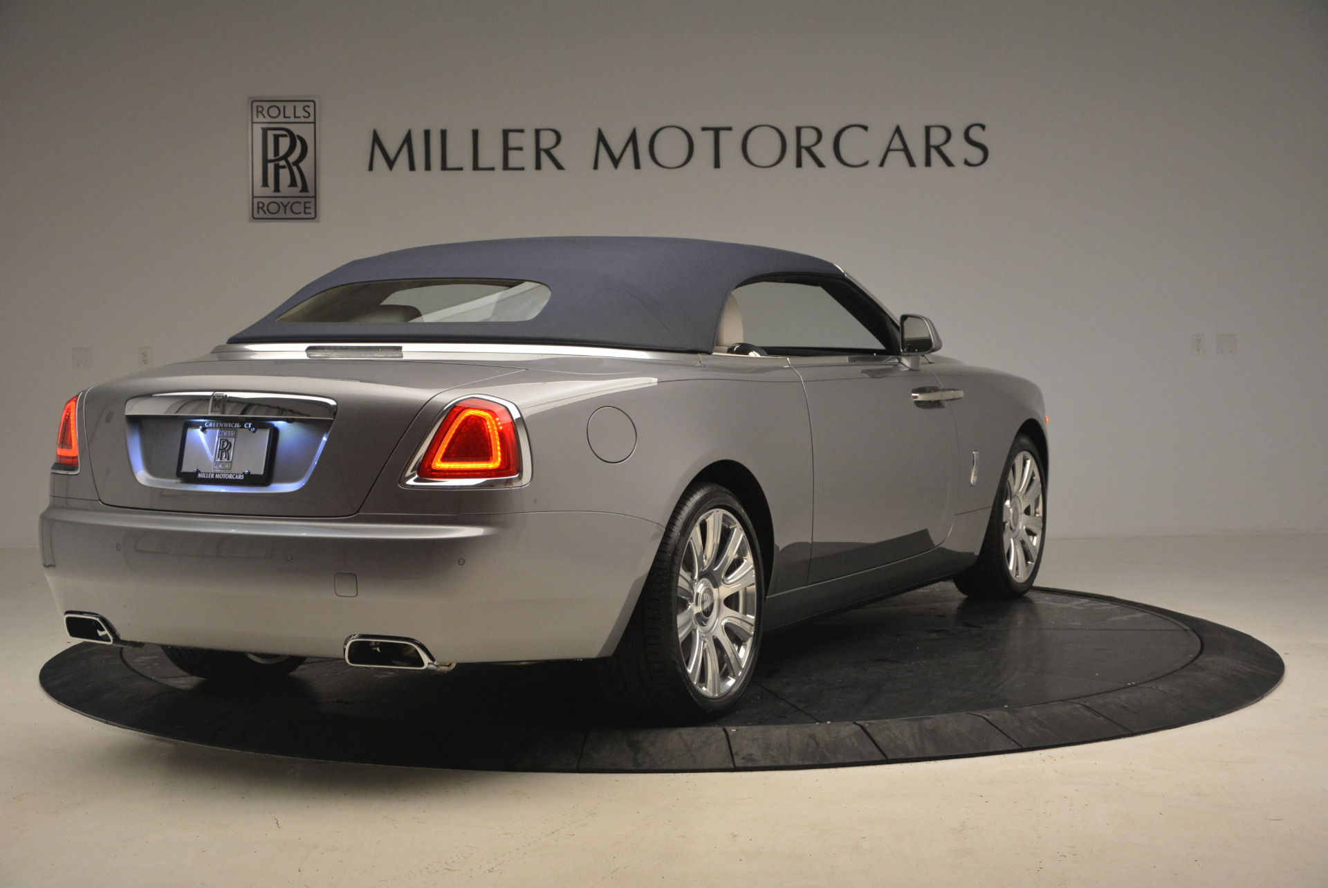 Used 2017 Rolls-Royce Dawn  For Sale In Greenwich, CT 940_p19