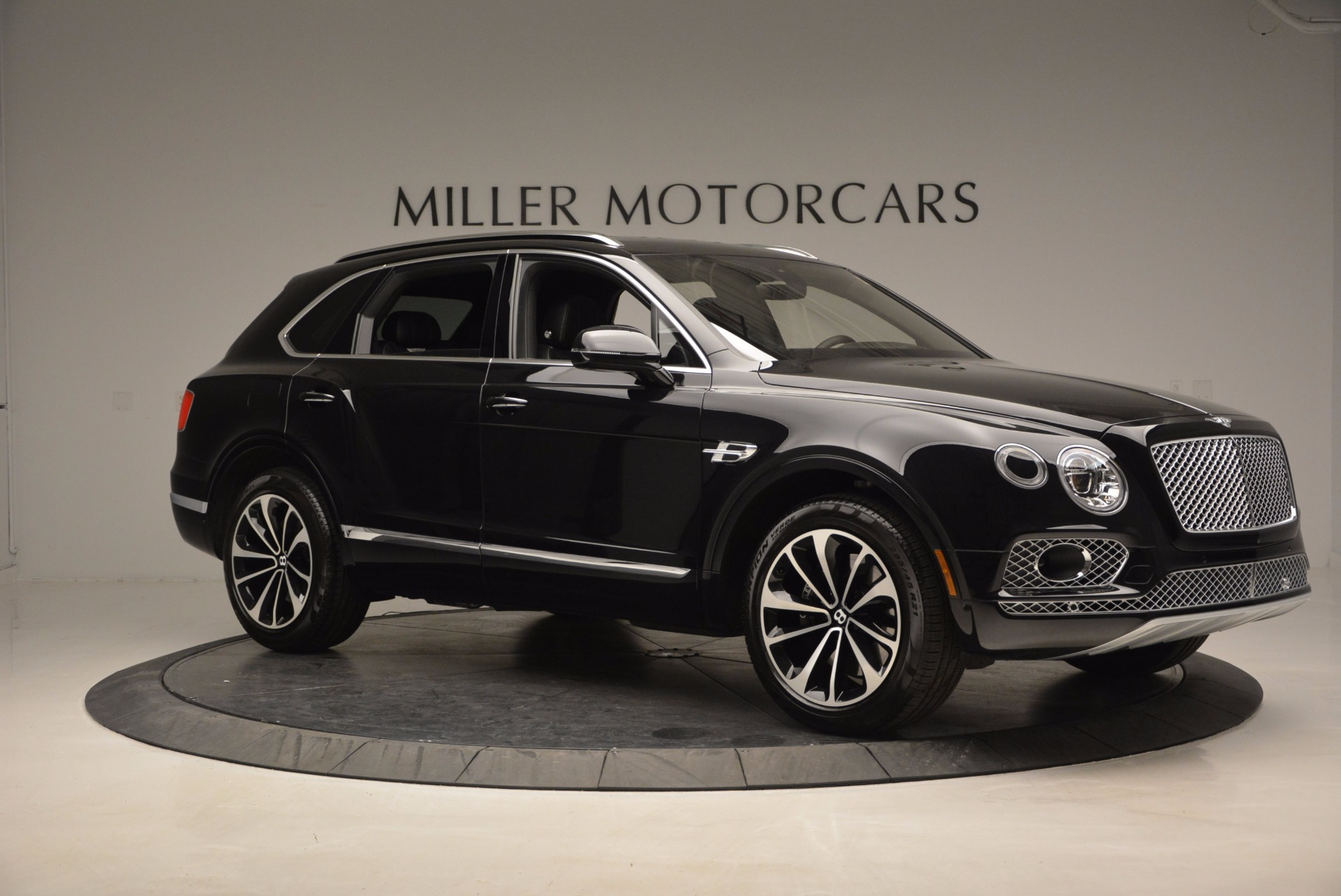 New 2017 Bentley Bentayga  For Sale In Greenwich, CT 941_p10