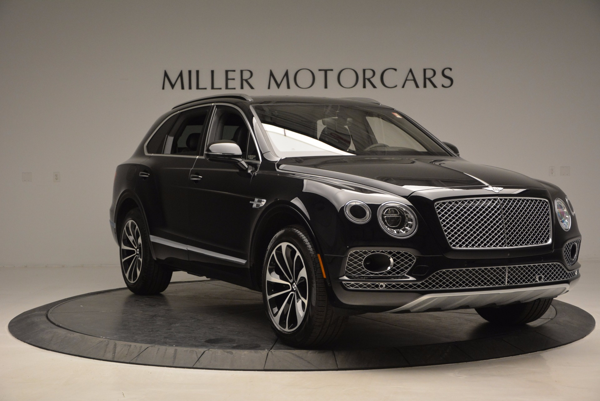 New 2017 Bentley Bentayga  For Sale In Greenwich, CT 941_p11