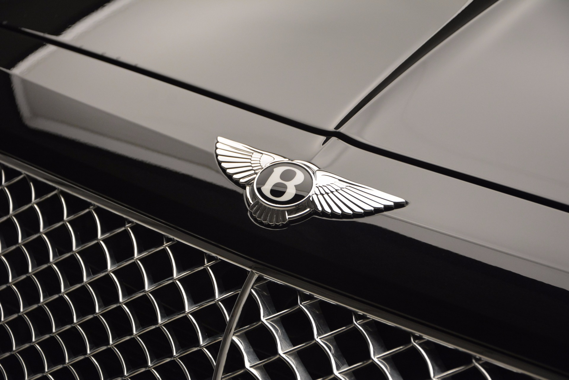 New 2017 Bentley Bentayga  For Sale In Greenwich, CT 941_p15