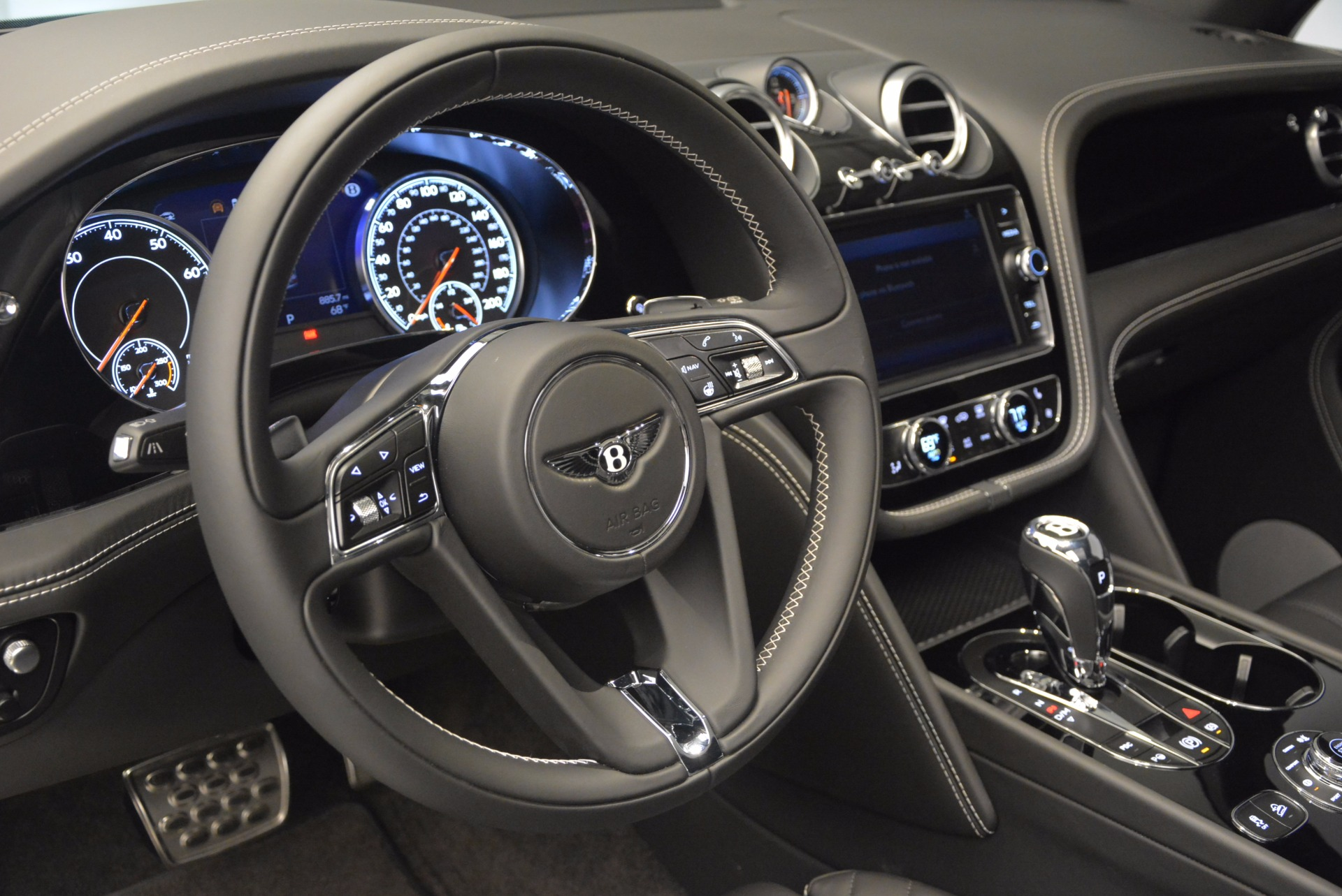 New 2017 Bentley Bentayga  For Sale In Greenwich, CT 941_p24