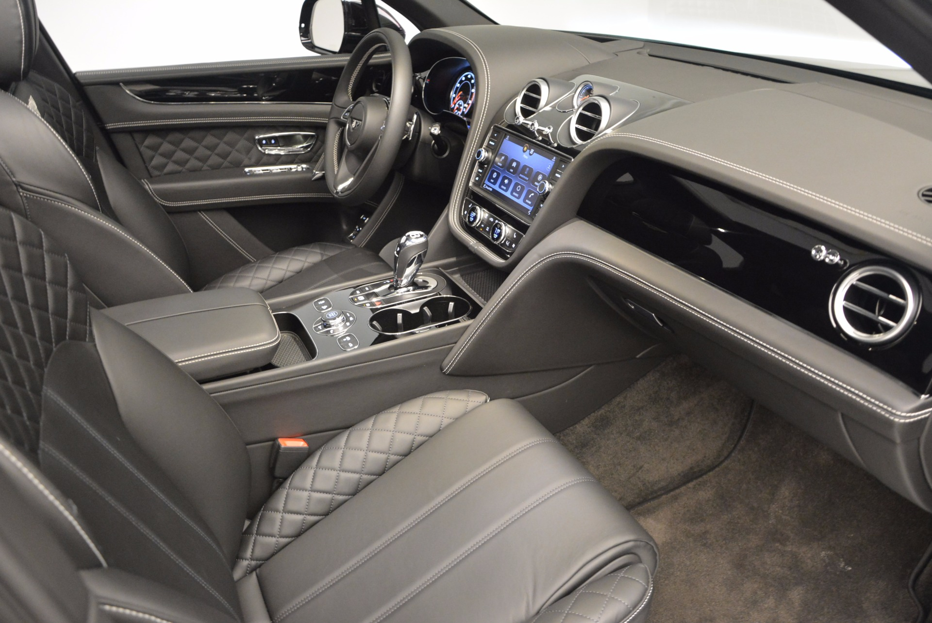 New 2017 Bentley Bentayga  For Sale In Greenwich, CT 941_p39