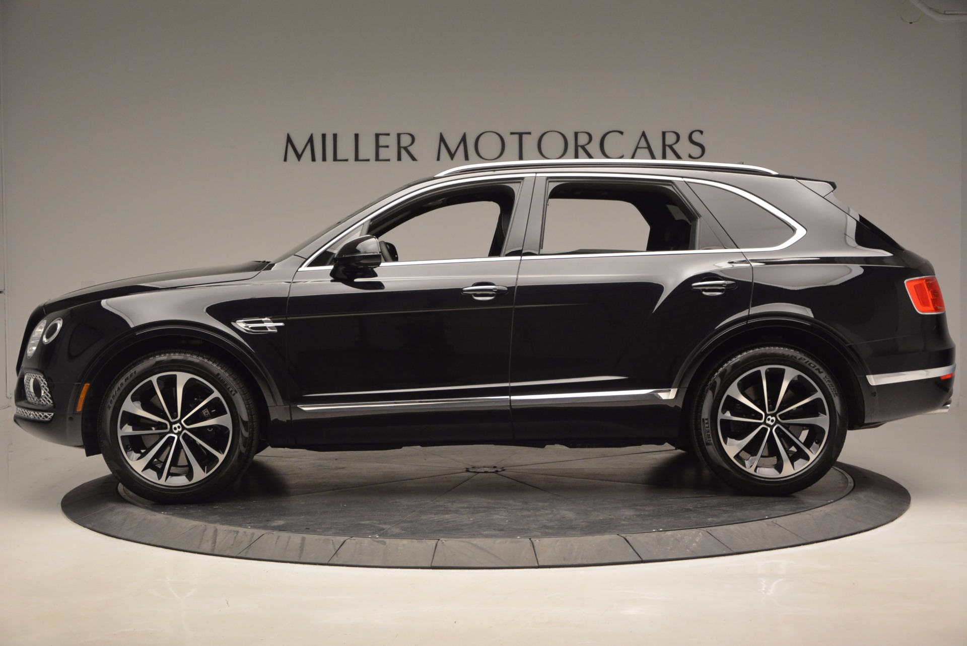New 2017 Bentley Bentayga  For Sale In Greenwich, CT 941_p3
