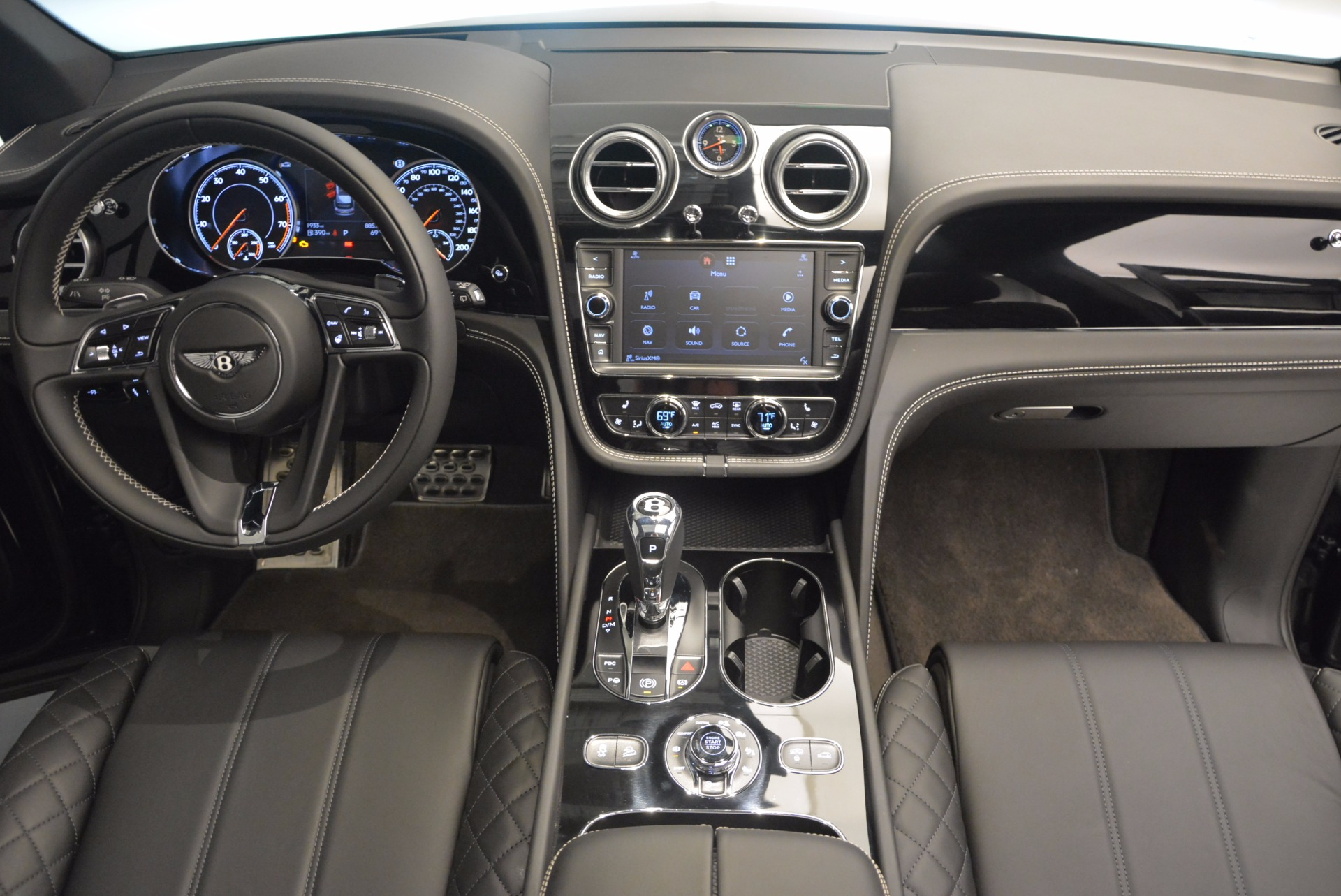 New 2017 Bentley Bentayga  For Sale In Greenwich, CT 941_p41