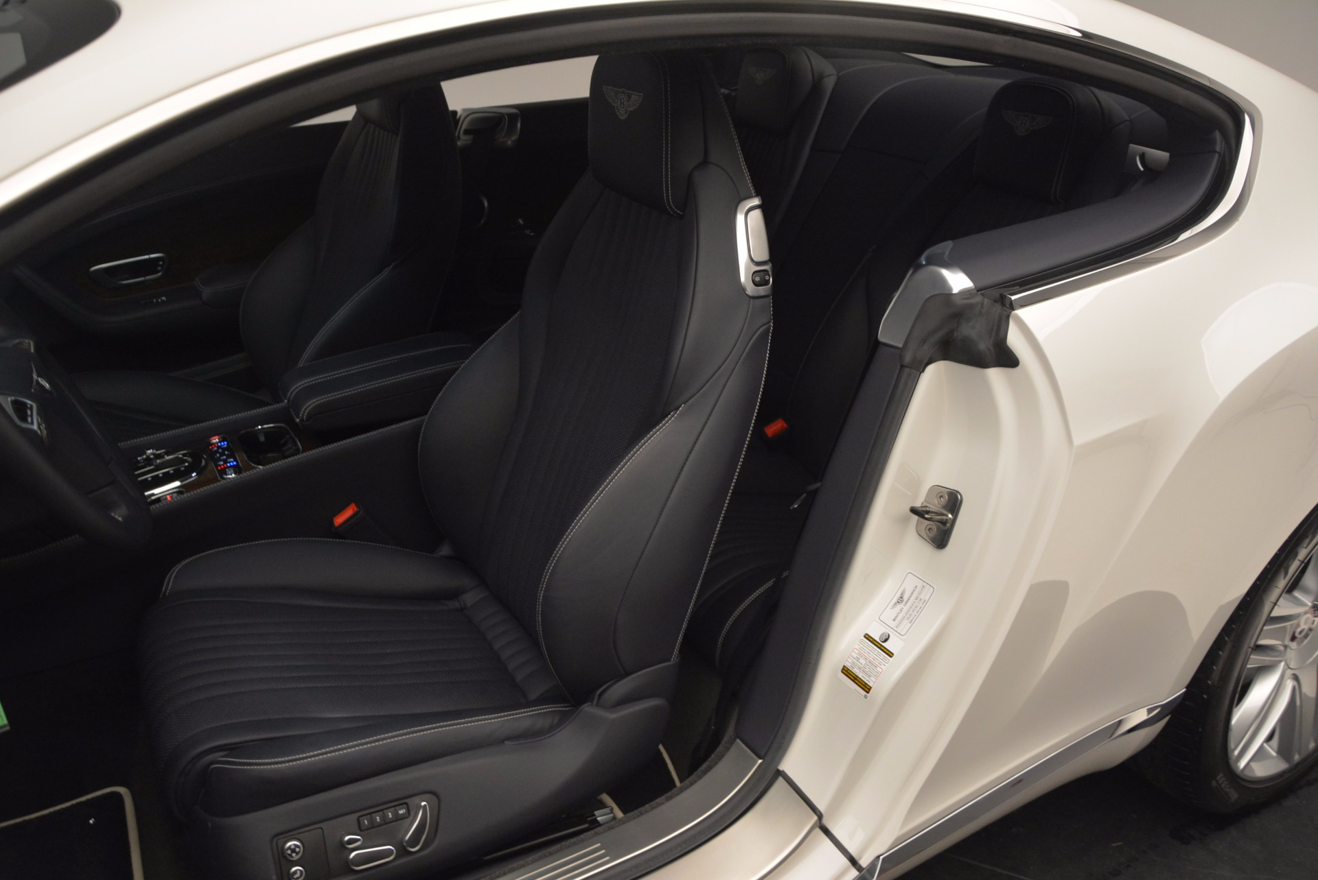 Used 2016 Bentley Continental GT V8 For Sale In Greenwich, CT 946_p23