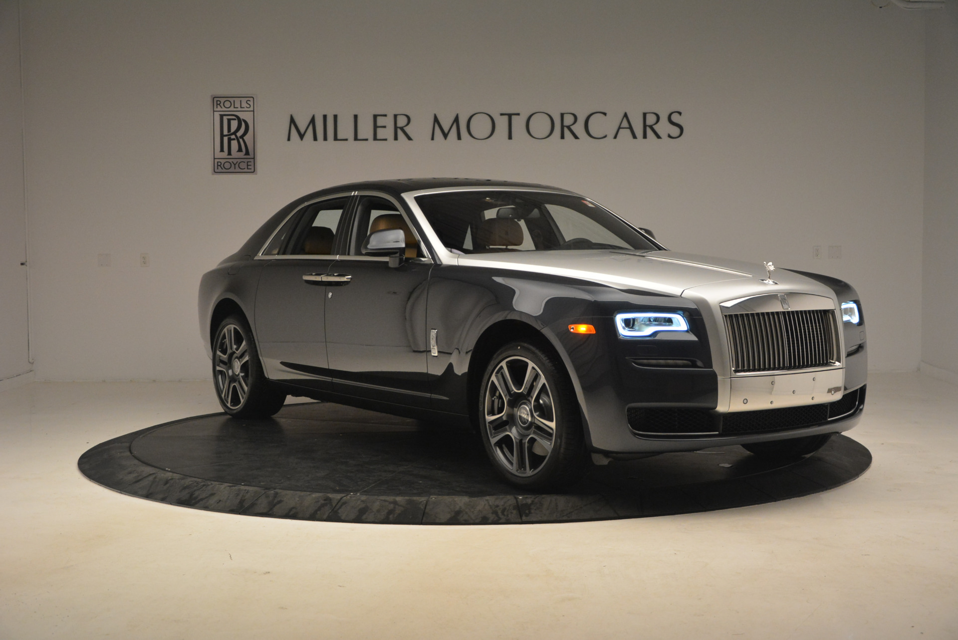 Used 2017 Rolls-Royce Ghost  For Sale In Greenwich, CT 954_p11