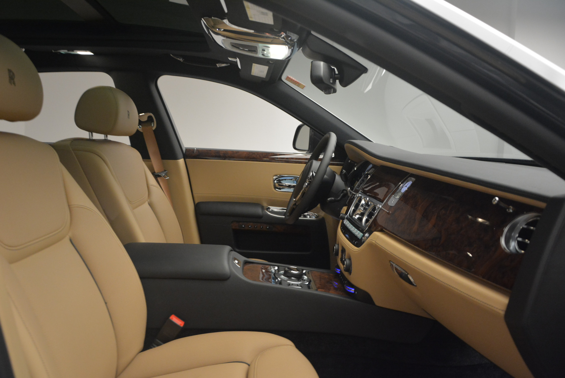Used 2017 Rolls-Royce Ghost  For Sale In Greenwich, CT 954_p35