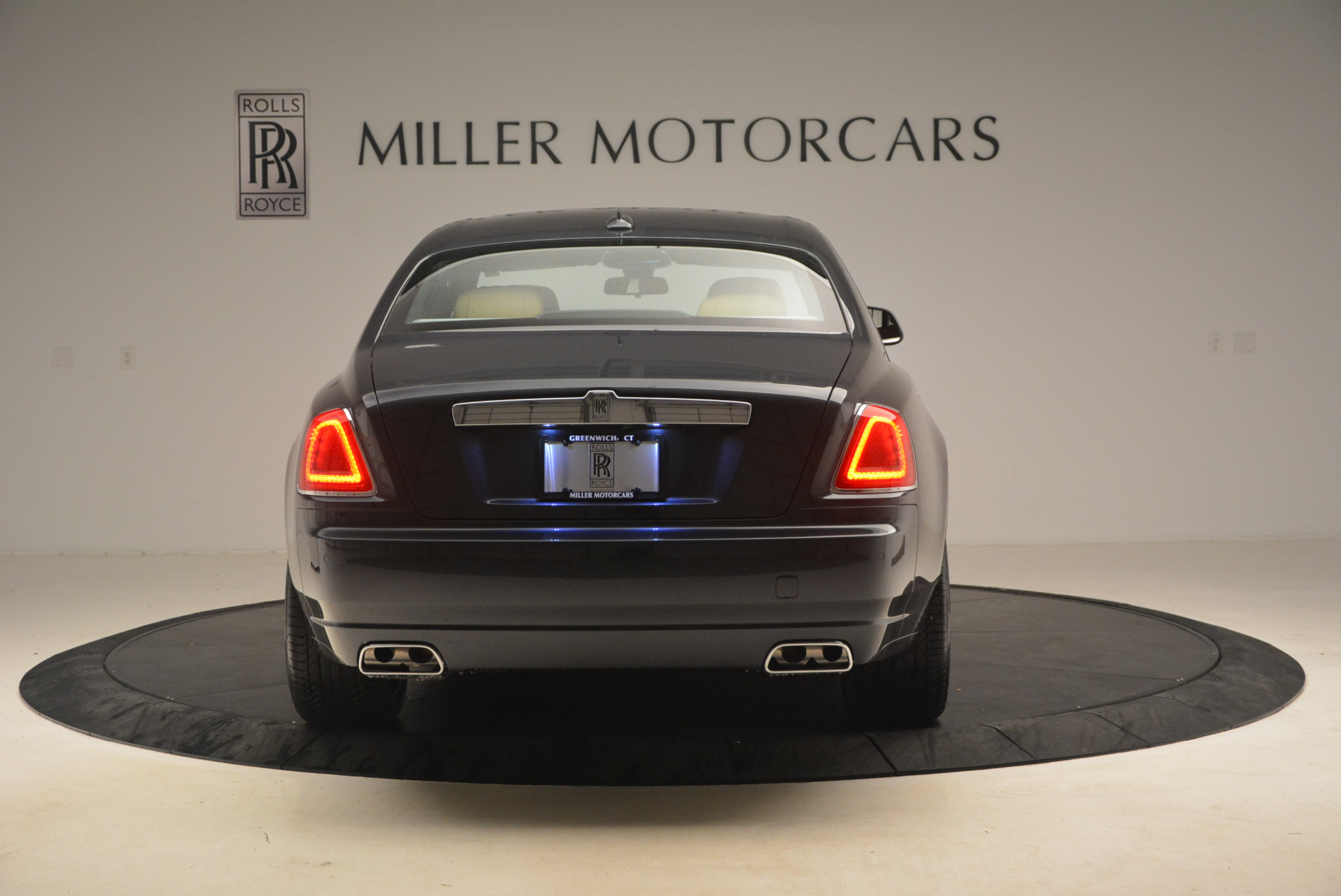 Used 2017 Rolls-Royce Ghost  For Sale In Greenwich, CT 954_p6