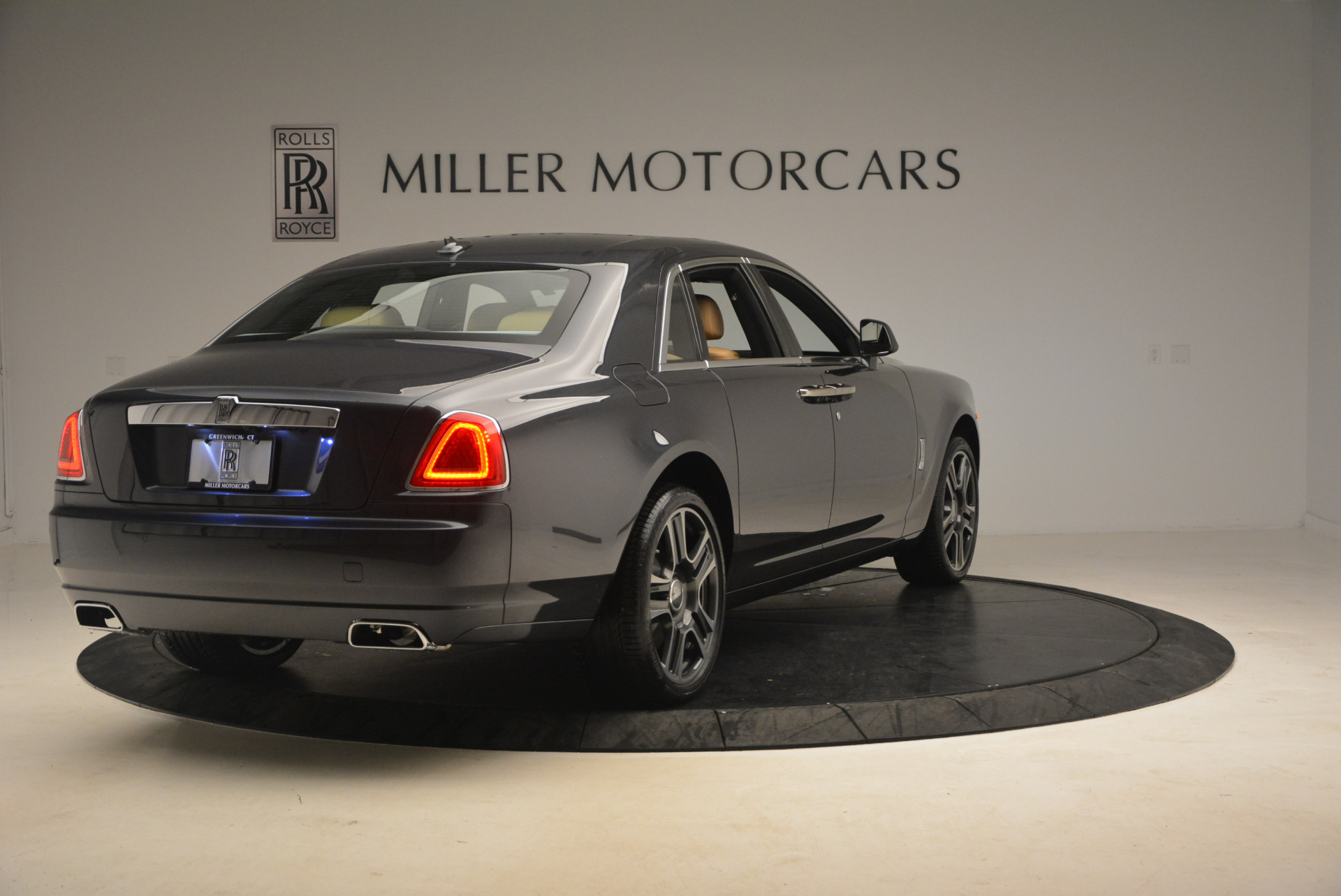 Used 2017 Rolls-Royce Ghost  For Sale In Greenwich, CT 954_p7