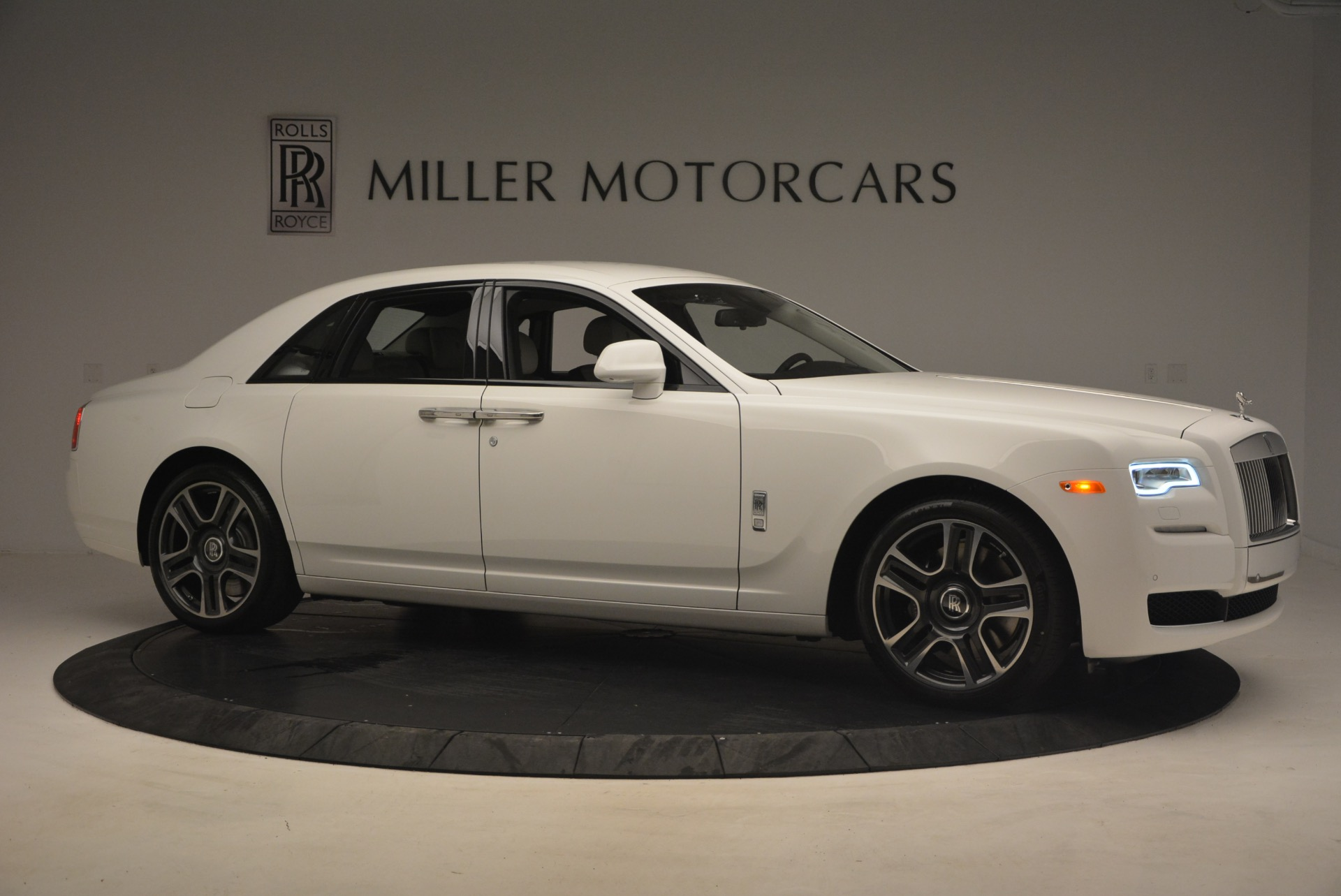 Used 2017 Rolls-Royce Ghost  For Sale In Greenwich, CT 971_p10