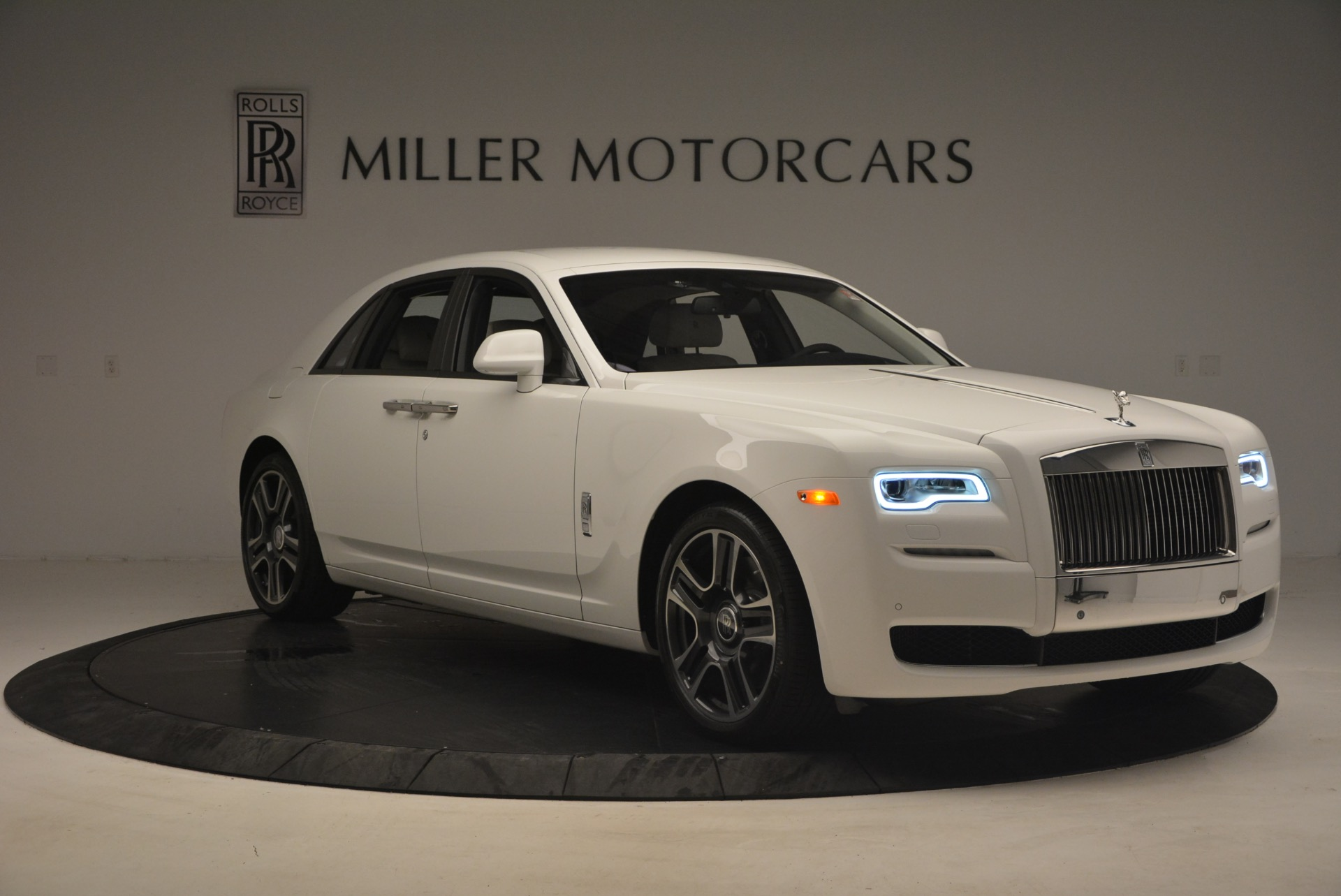 Used 2017 Rolls-Royce Ghost  For Sale In Greenwich, CT 971_p11